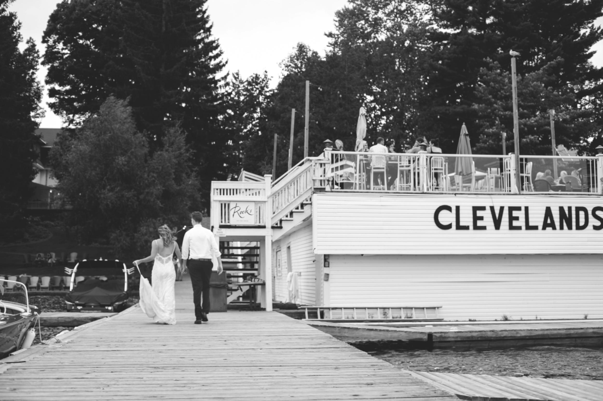 Wedding-Photos-Muskoka-Clevelands-House-Photographer-Wedding-Hamilton-GTA-Niagara-Oakville-Moments-by-Lauren-Photography-Photo-Image-101.png