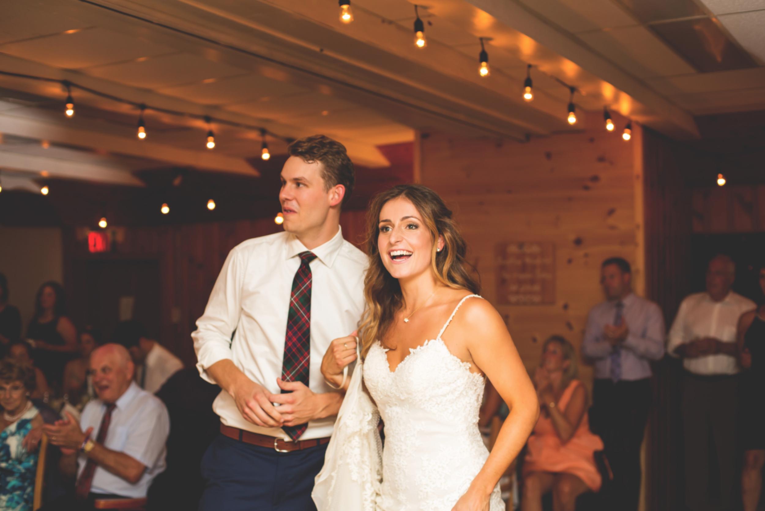 Wedding-Photos-Muskoka-Clevelands-House-Photographer-Wedding-Hamilton-GTA-Niagara-Oakville-Moments-by-Lauren-Photography-Photo-Image-106.png