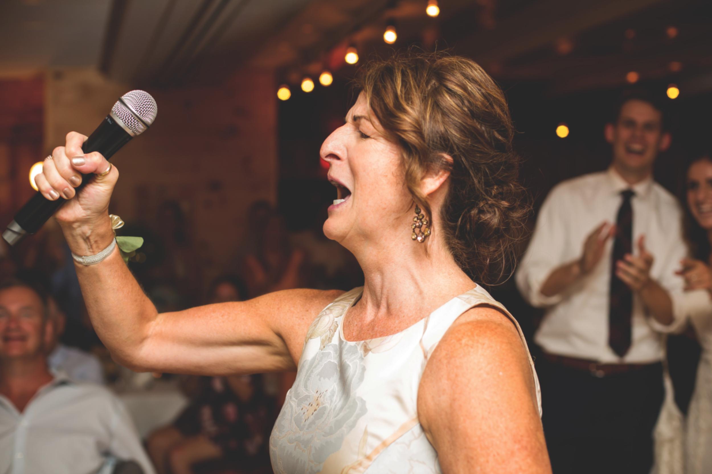 Wedding-Photos-Muskoka-Clevelands-House-Photographer-Wedding-Hamilton-GTA-Niagara-Oakville-Moments-by-Lauren-Photography-Photo-Image-108.png