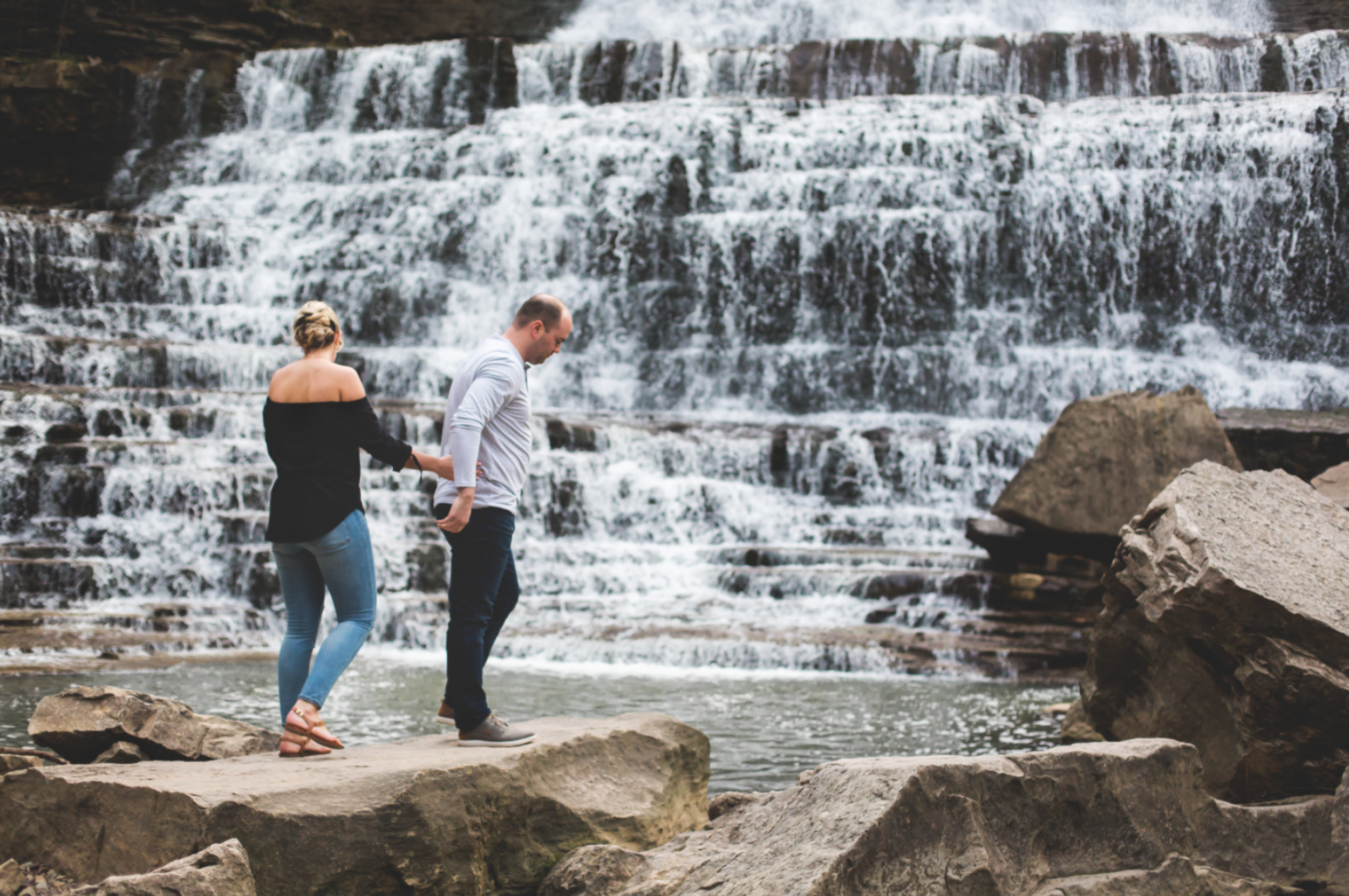 Engagement-Session-Hamilton-Burlington-Oakville-Toronto-Niagara-Wedding-Photographer-Engaged-Photography-Waterfront-HamOnt-Engaged-Moments-by-Lauren-Photo-Image-19.png