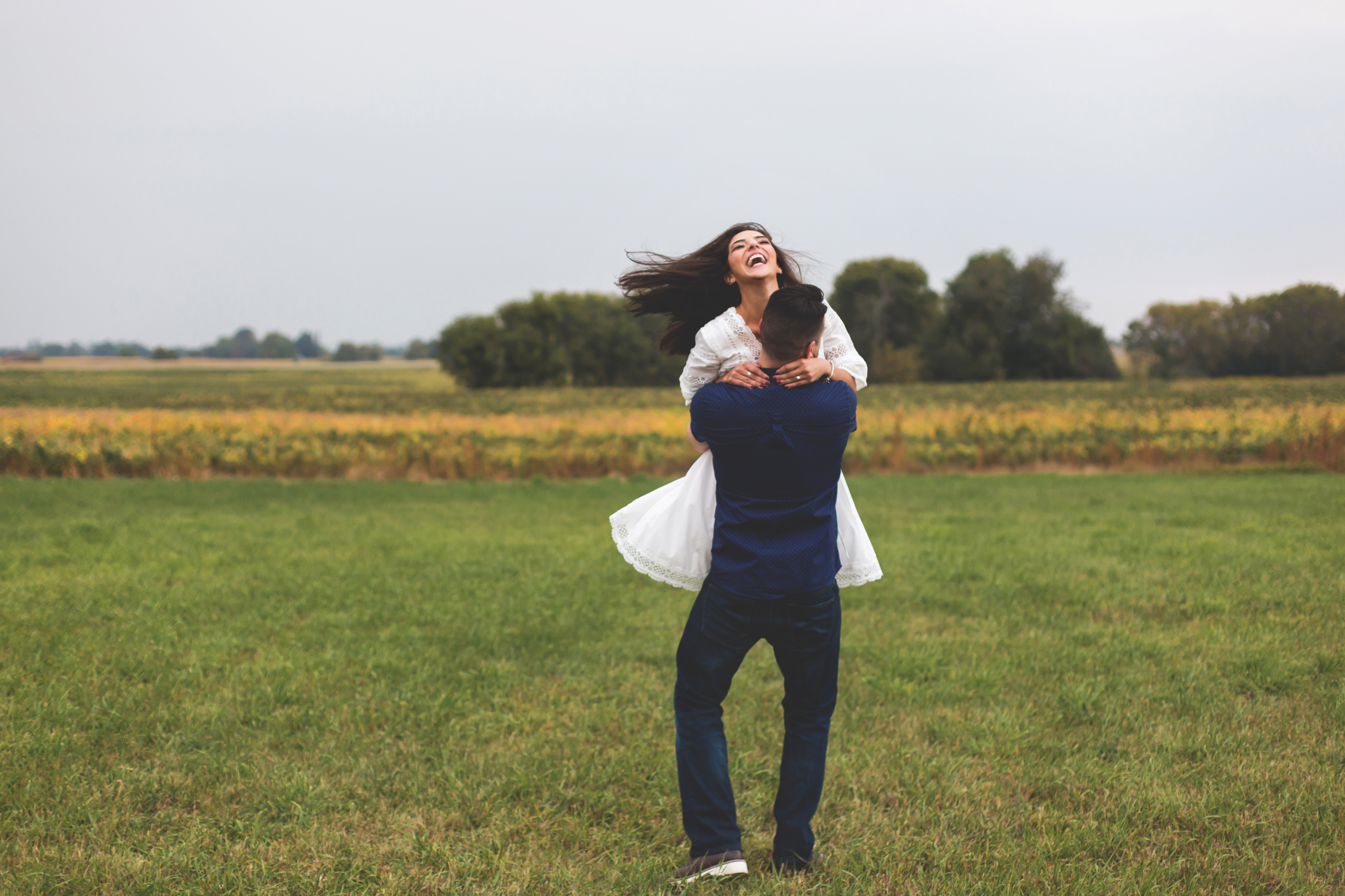 Engagement-Session-Hamilton-Burlington-Oakville-Toronto-Niagara-Wedding-Photographer-Engaged-Photography-Brantford-Airport-HamOnt-Engaged-Moments-by-Lauren-Photo-Image-26.png