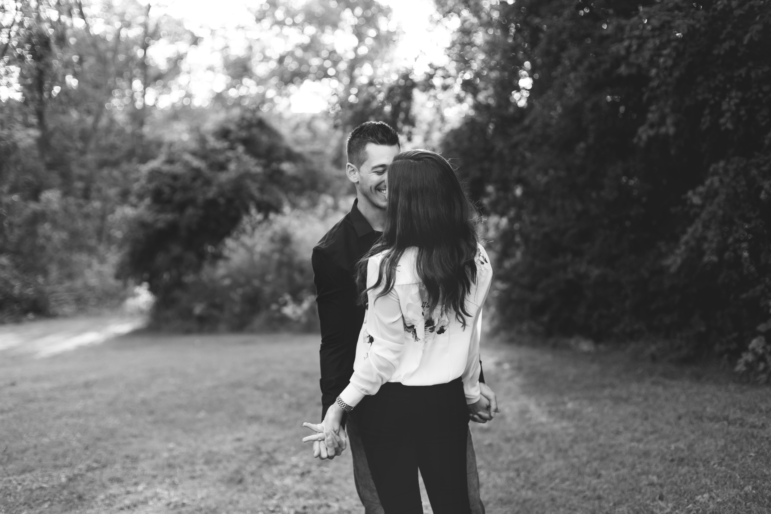 Engagement-Session-Hamilton-Burlington-Oakville-Toronto-Niagara-Wedding-Photographer-Engaged-Photography-Session-HamOnt-Moments-by-Lauren-Photo-Image-13.png