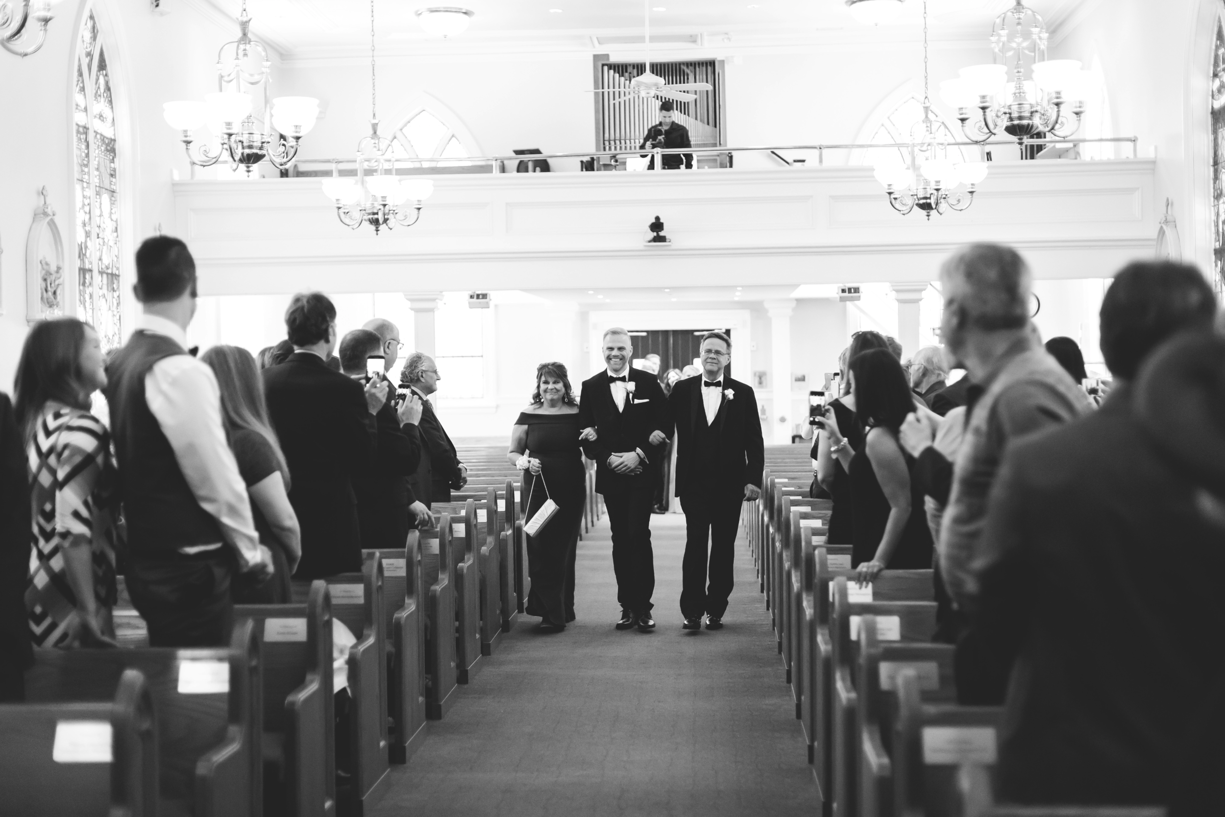 Wedding-Harbour-Banquet-Center-Oakville-Photographer-Wedding-Hamilton-Saint-James-Espresso-Downtown-HamOnt-GTA-Niagara-Toronto-Moments-by-Lauren-Photography-Photo-Image-11.png