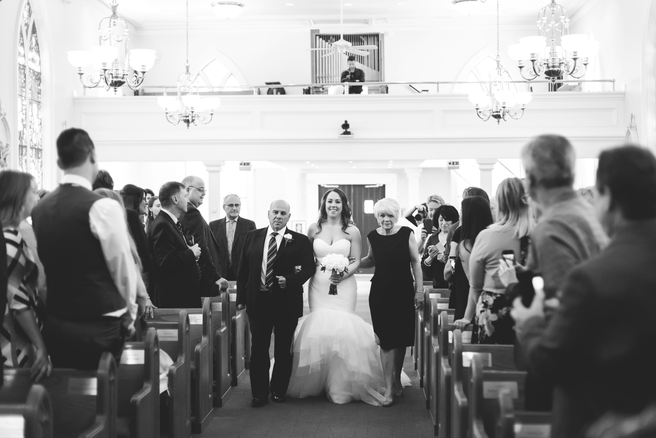 Wedding-Harbour-Banquet-Center-Oakville-Photographer-Wedding-Hamilton-Saint-James-Espresso-Downtown-HamOnt-GTA-Niagara-Toronto-Moments-by-Lauren-Photography-Photo-Image-12.png