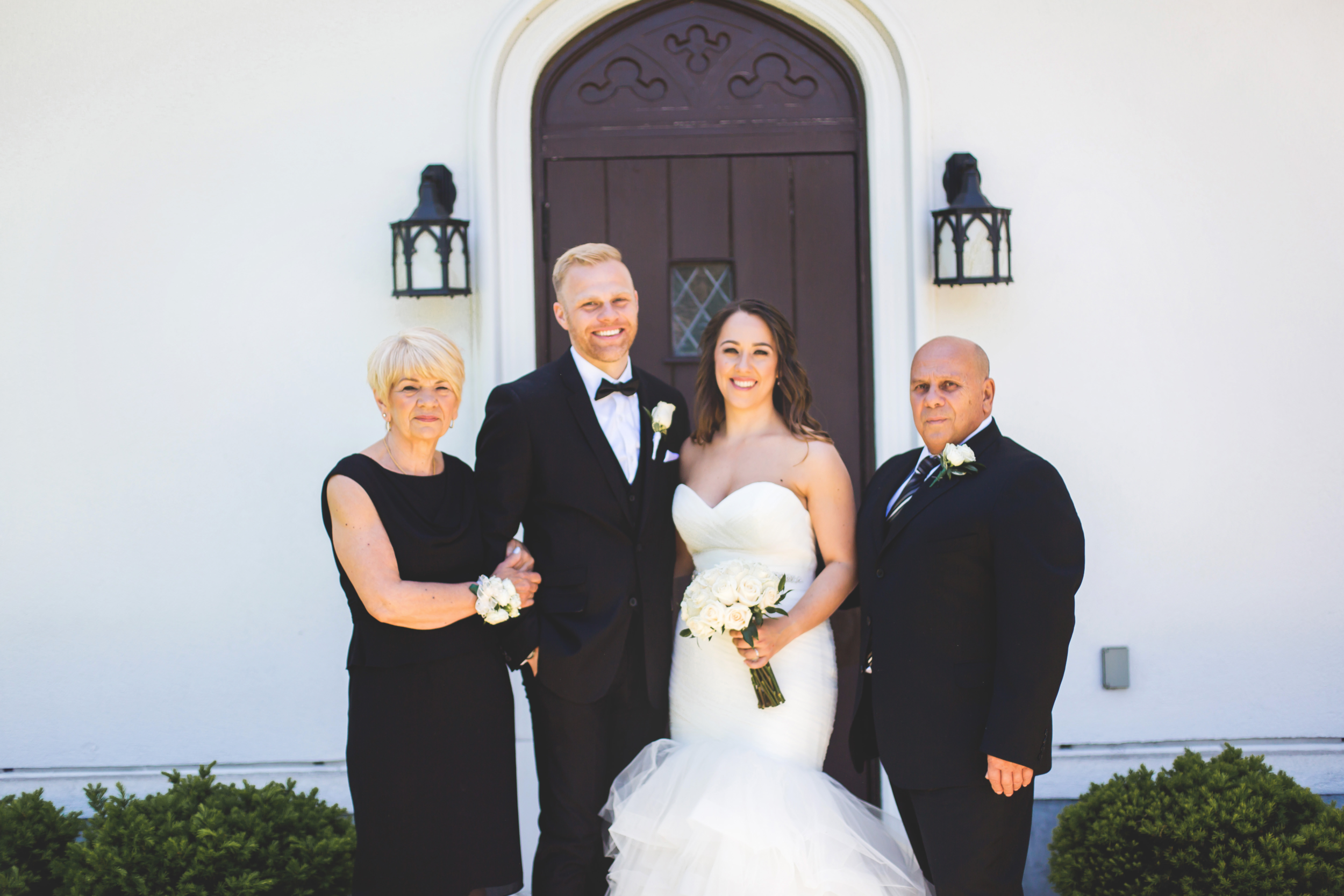 Wedding-Harbour-Banquet-Center-Oakville-Photographer-Wedding-Hamilton-Saint-James-Espresso-Downtown-HamOnt-GTA-Niagara-Toronto-Moments-by-Lauren-Photography-Photo-Image-20.png
