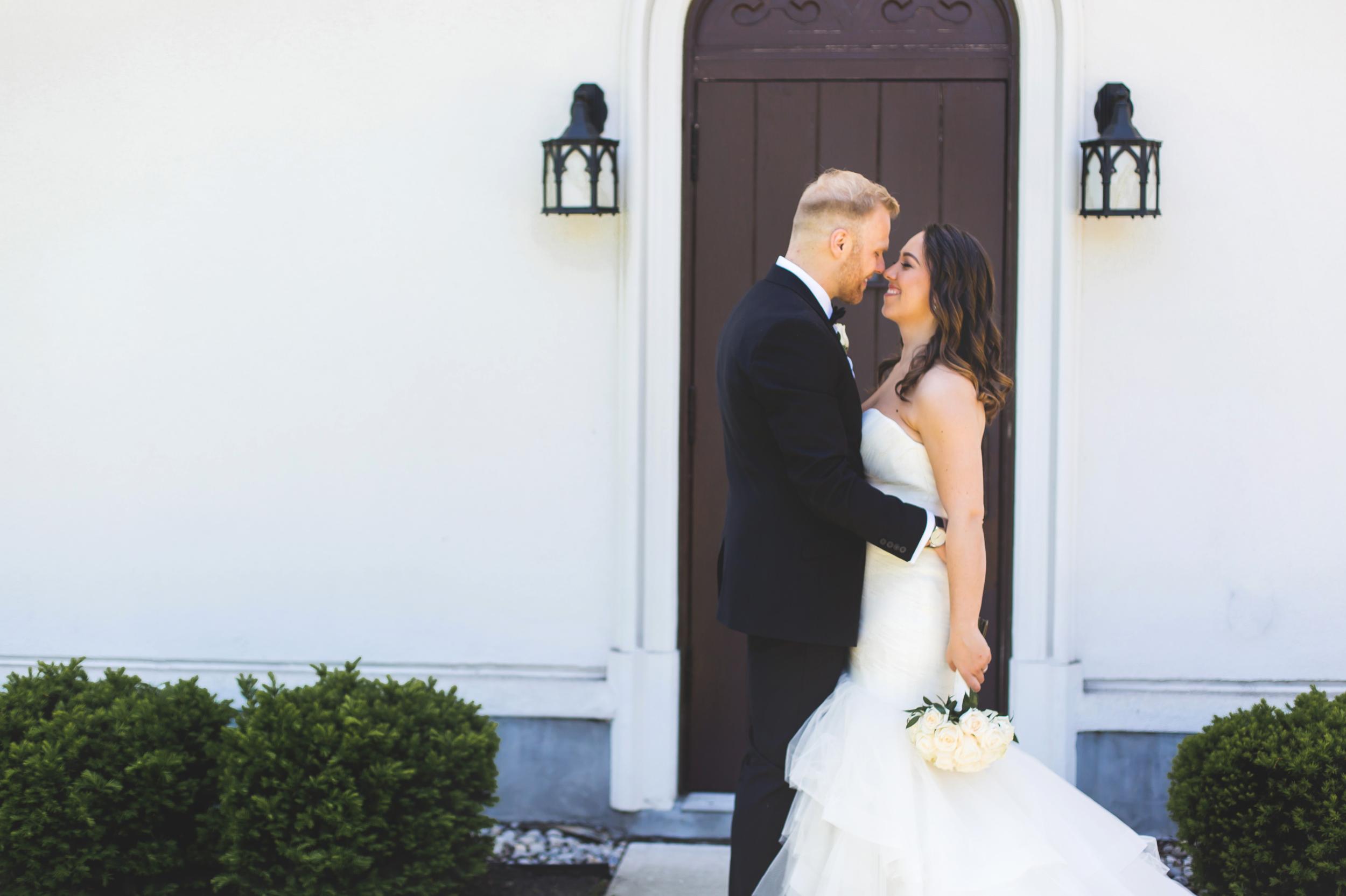 Wedding-Harbour-Banquet-Center-Oakville-Photographer-Wedding-Hamilton-Saint-James-Espresso-Downtown-HamOnt-GTA-Niagara-Toronto-Moments-by-Lauren-Photography-Photo-Image-23.png