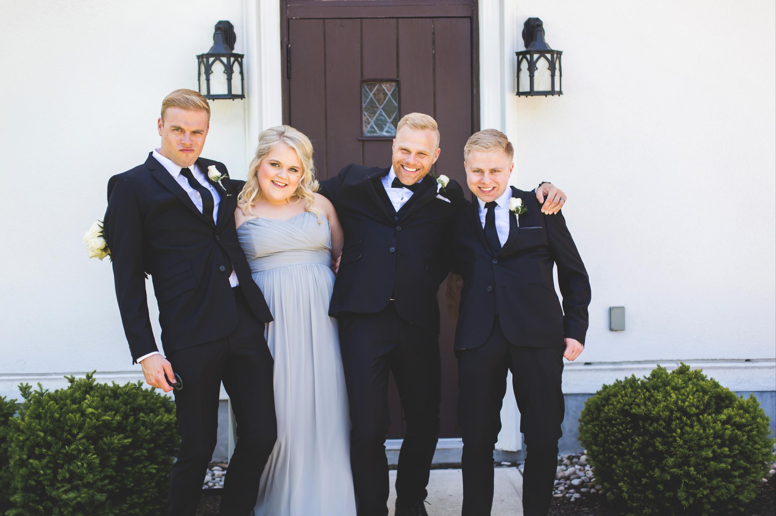 Wedding-Harbour-Banquet-Center-Oakville-Photographer-Wedding-Hamilton-Saint-James-Espresso-Downtown-HamOnt-GTA-Niagara-Toronto-Moments-by-Lauren-Photography-Photo-Image-22.png