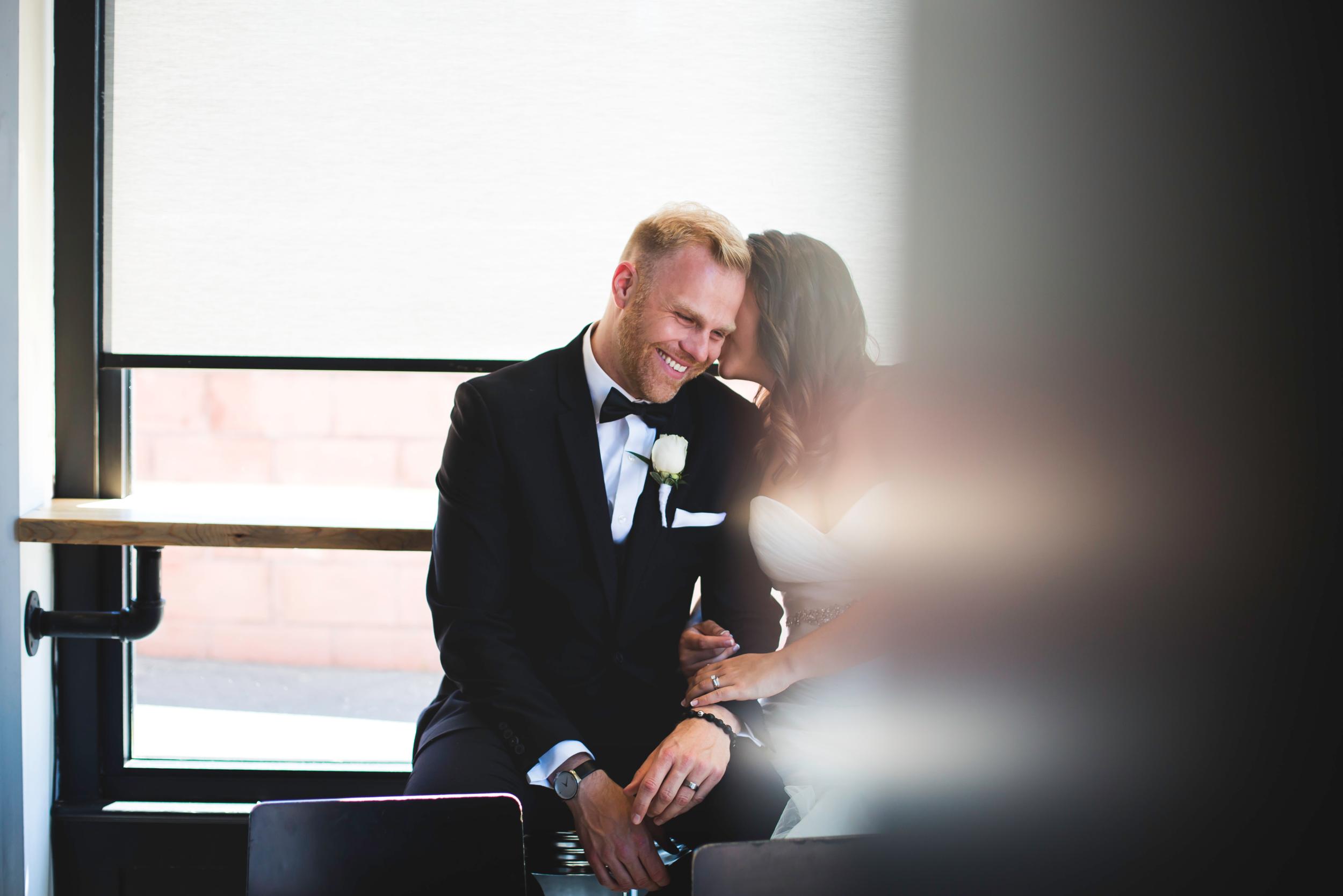 Wedding-Harbour-Banquet-Center-Oakville-Photographer-Wedding-Hamilton-Saint-James-Espresso-Downtown-HamOnt-GTA-Niagara-Toronto-Moments-by-Lauren-Photography-Photo-Image-27.png