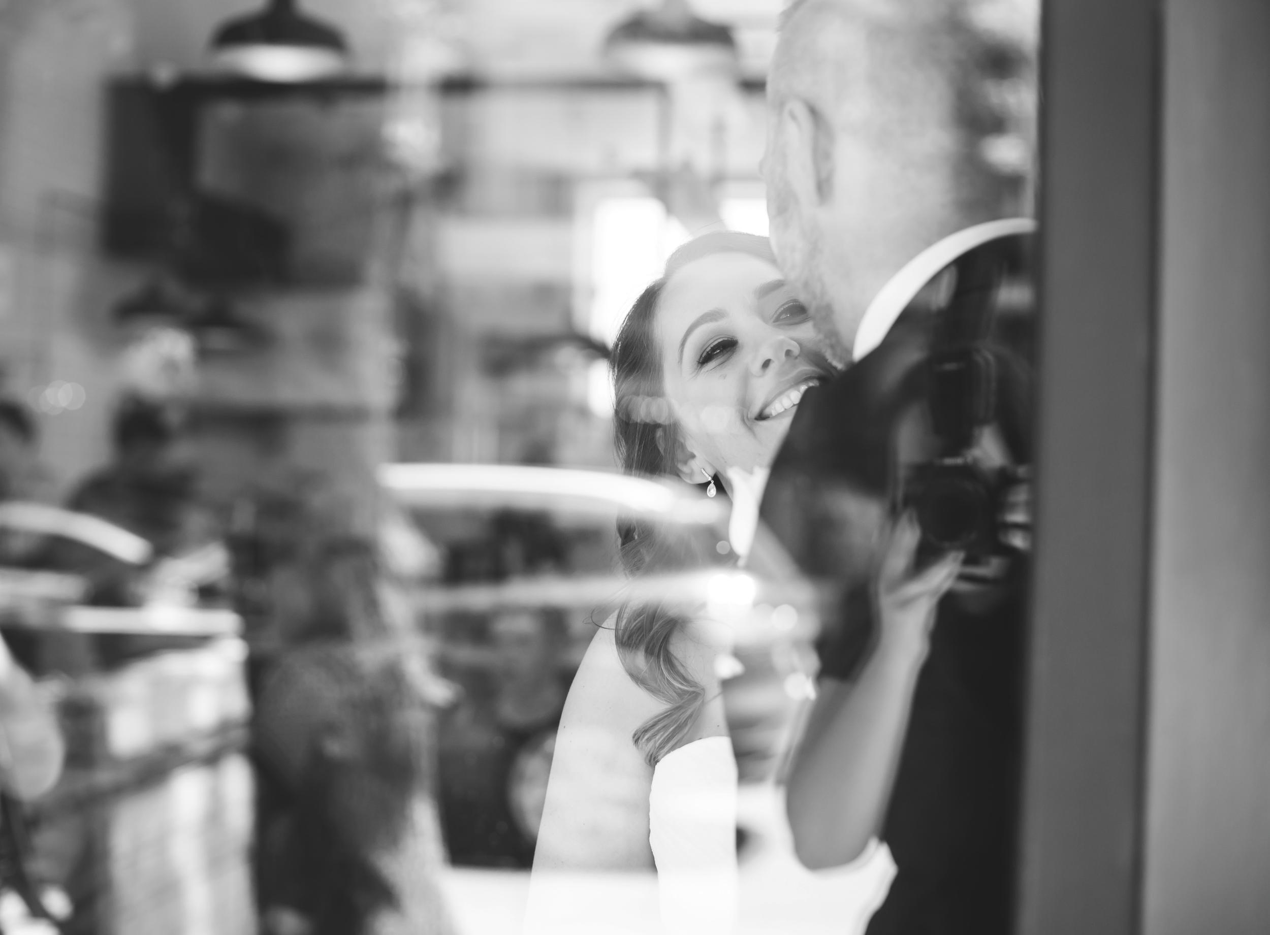 Wedding-Harbour-Banquet-Center-Oakville-Photographer-Wedding-Hamilton-Saint-James-Espresso-Downtown-HamOnt-GTA-Niagara-Toronto-Moments-by-Lauren-Photography-Photo-Image-30.png