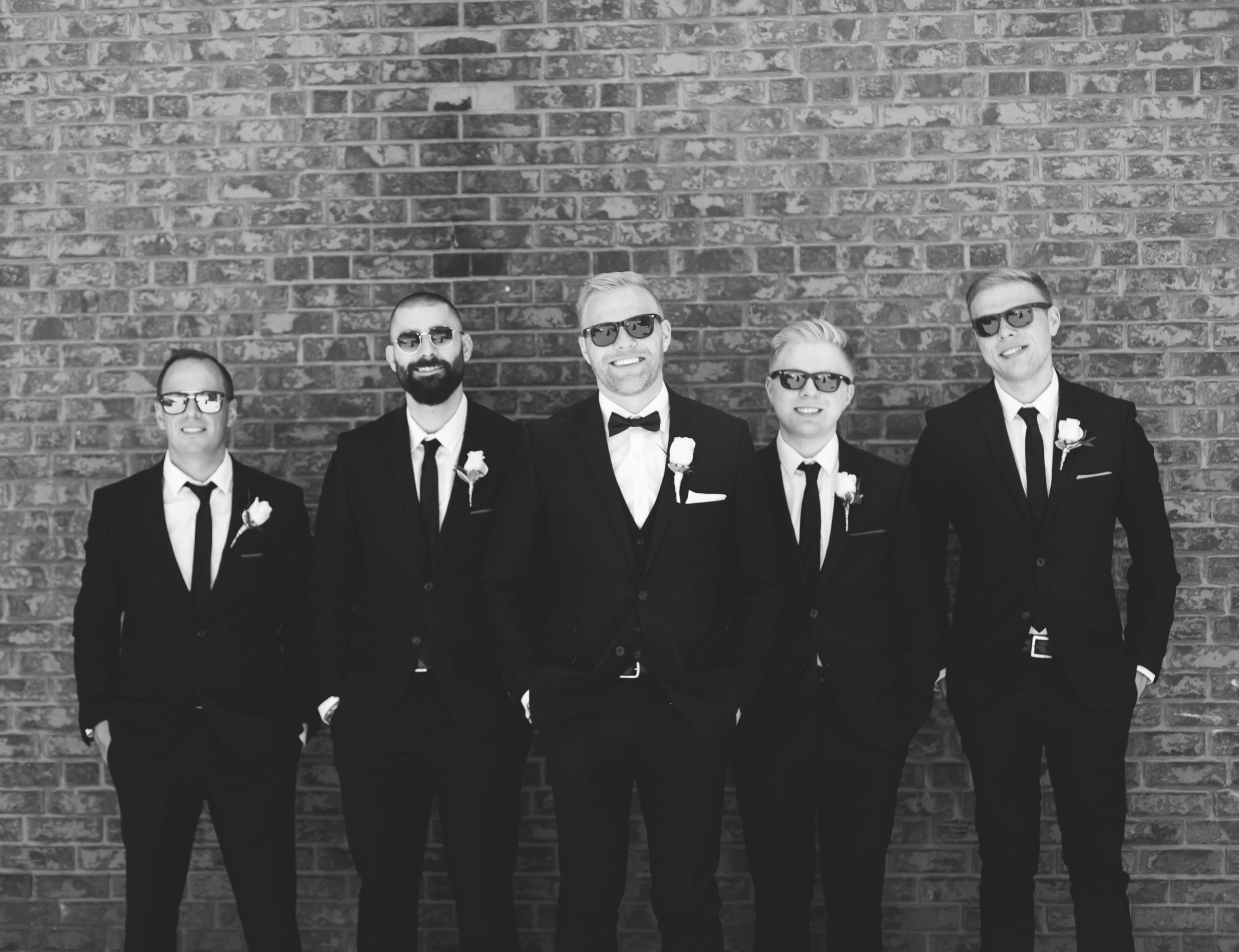 Wedding-Harbour-Banquet-Center-Oakville-Photographer-Wedding-Hamilton-Saint-James-Espresso-Downtown-HamOnt-GTA-Niagara-Toronto-Moments-by-Lauren-Photography-Photo-Image-36.png