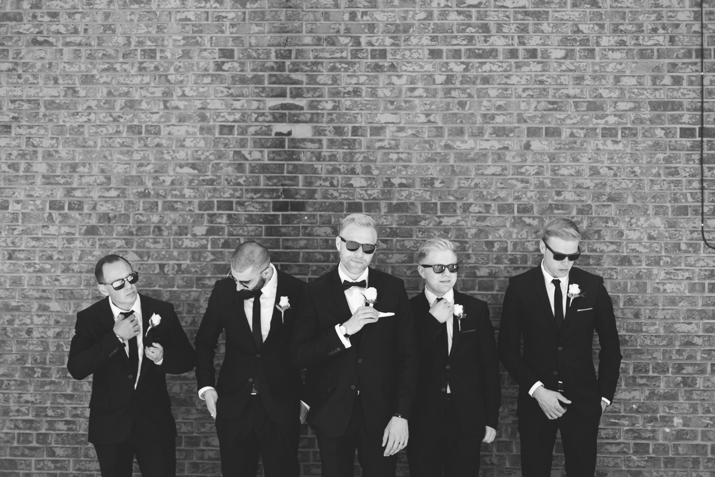 Wedding-Harbour-Banquet-Center-Oakville-Photographer-Wedding-Hamilton-Saint-James-Espresso-Downtown-HamOnt-GTA-Niagara-Toronto-Moments-by-Lauren-Photography-Photo-Image-37.png