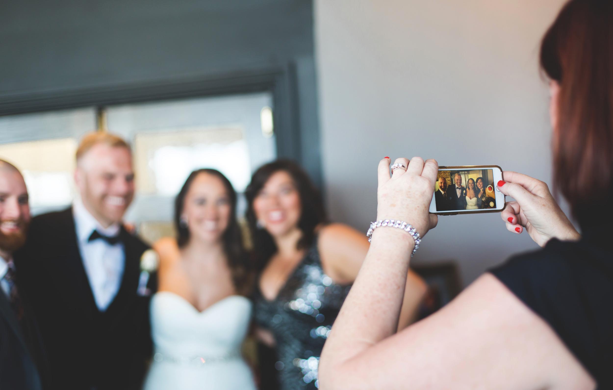 Wedding-Harbour-Banquet-Center-Oakville-Photographer-Wedding-Hamilton-Saint-James-Espresso-Downtown-HamOnt-GTA-Niagara-Toronto-Moments-by-Lauren-Photography-Photo-Image-51.png