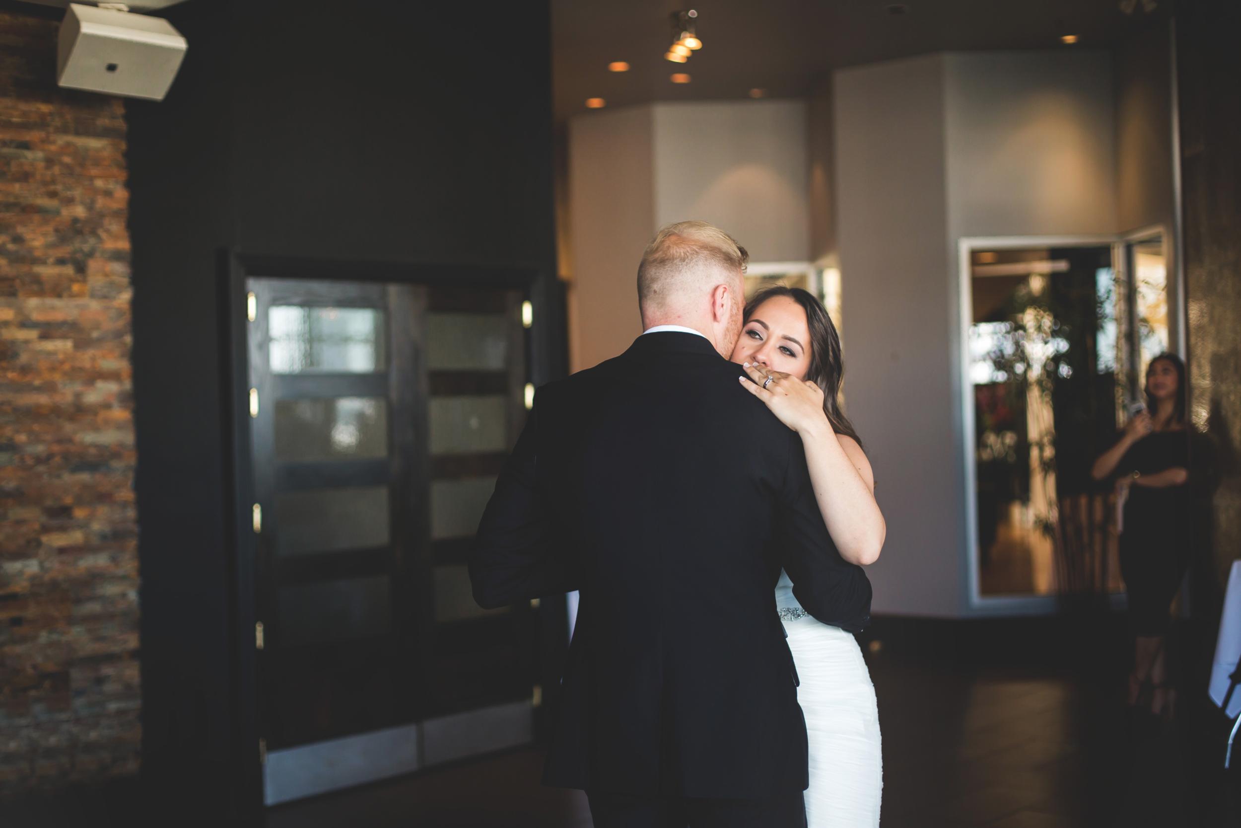 Wedding-Harbour-Banquet-Center-Oakville-Photographer-Wedding-Hamilton-Saint-James-Espresso-Downtown-HamOnt-GTA-Niagara-Toronto-Moments-by-Lauren-Photography-Photo-Image-55.png