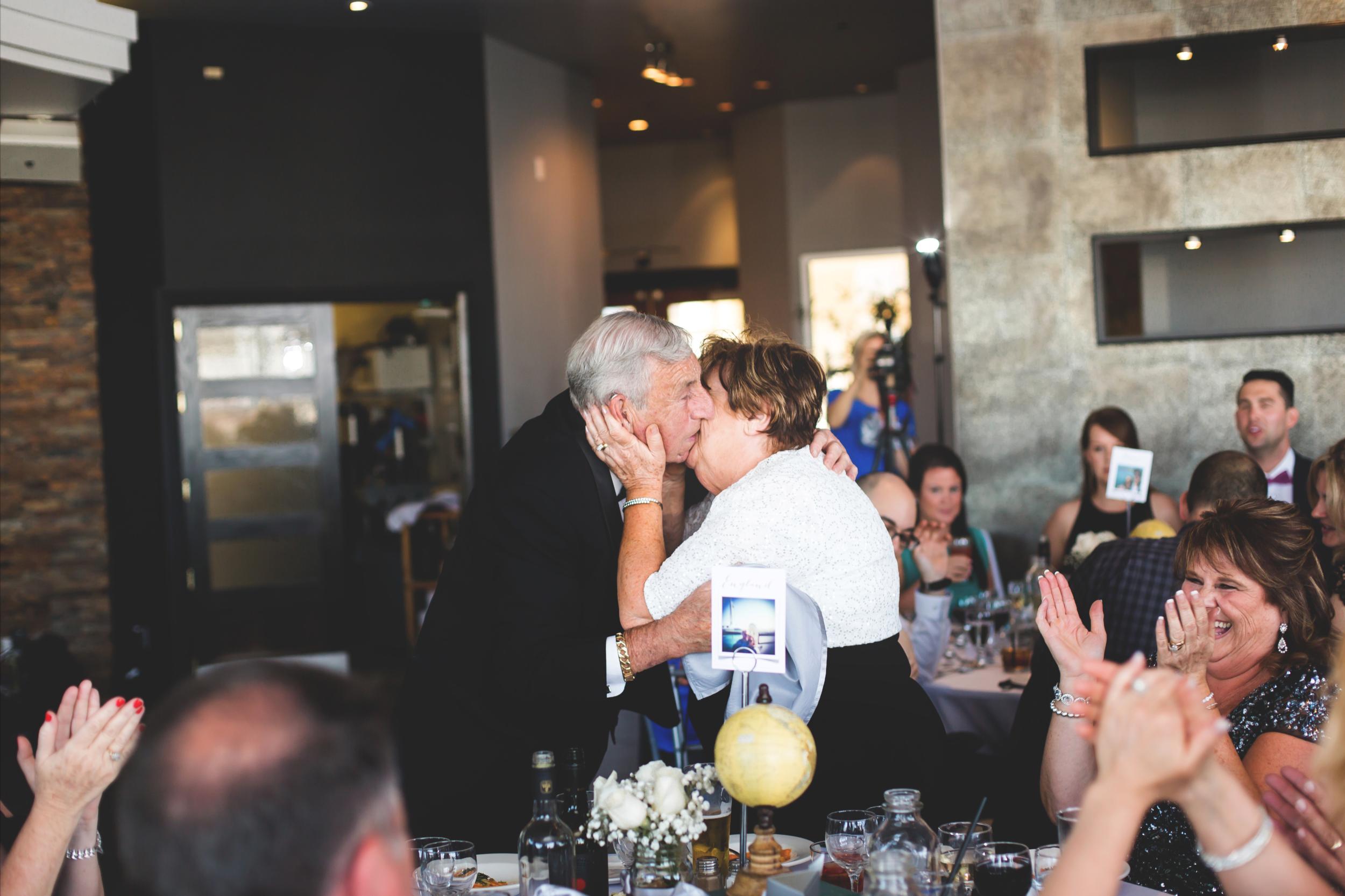 Wedding-Harbour-Banquet-Center-Oakville-Photographer-Wedding-Hamilton-Saint-James-Espresso-Downtown-HamOnt-GTA-Niagara-Toronto-Moments-by-Lauren-Photography-Photo-Image-59.png