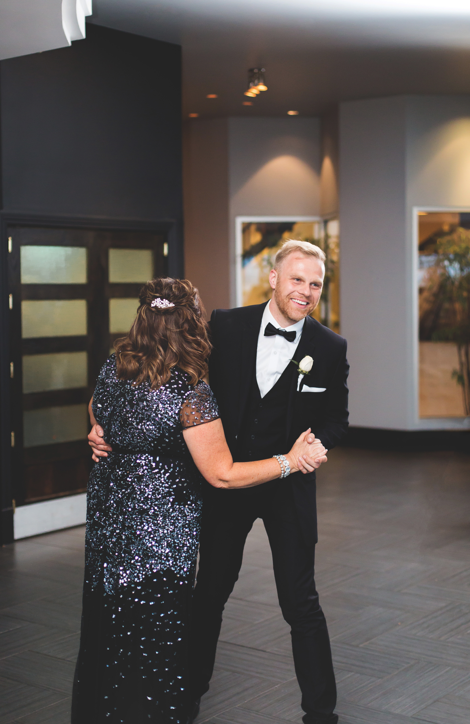 Wedding-Harbour-Banquet-Center-Oakville-Photographer-Wedding-Hamilton-Saint-James-Espresso-Downtown-HamOnt-GTA-Niagara-Toronto-Moments-by-Lauren-Photography-Photo-Image-67.png