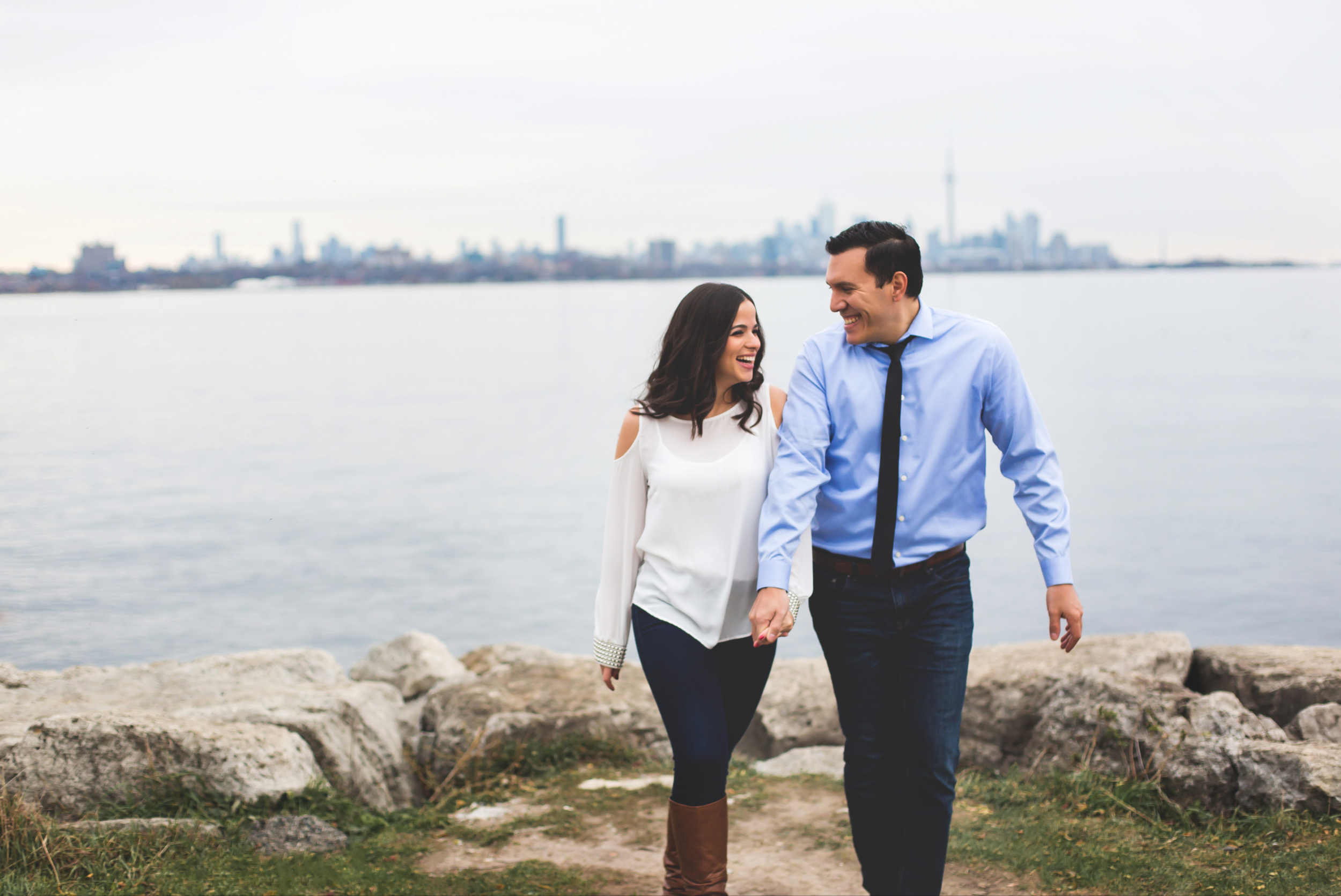Engagement-Photography-Toronto-Skyline-City-Waterfront-HumberBay-Hamilton-Burlington-Oakville-Niagara-Toronto-Wedding-Photographer-Photo-Image-2.png