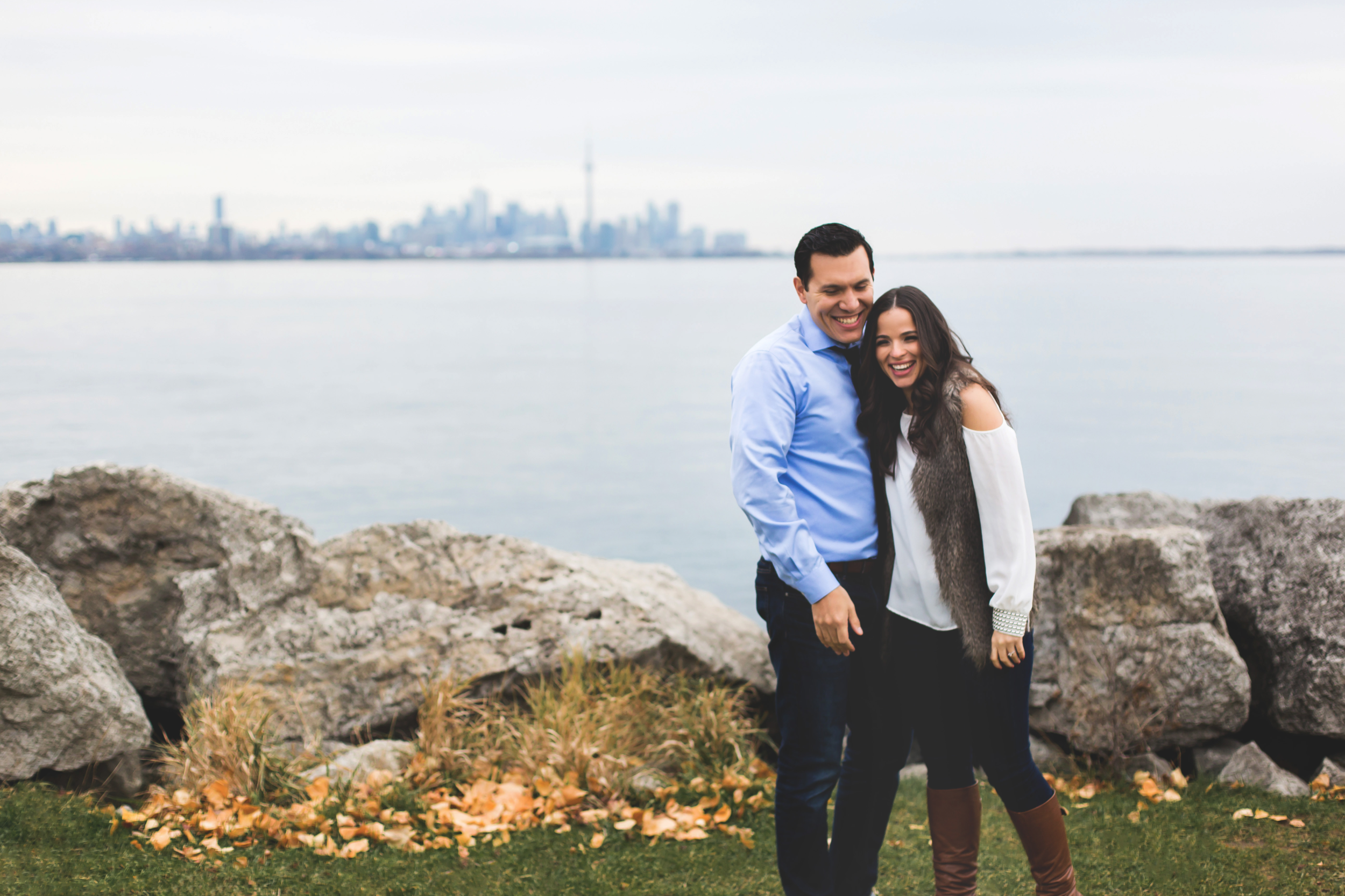 Engagement-Photography-Toronto-Skyline-City-Waterfront-HumberBay-Hamilton-Burlington-Oakville-Niagara-Toronto-Wedding-Photographer-Photo-Image-13.png