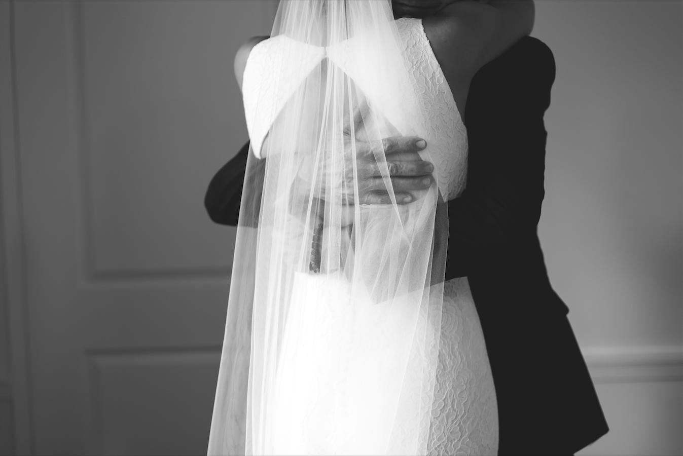 Moments-by-Lauren-Hamilton-Toronto-Niagara-Wedding-Photographer-Genuine-Emotional-Images-Photo-1.png