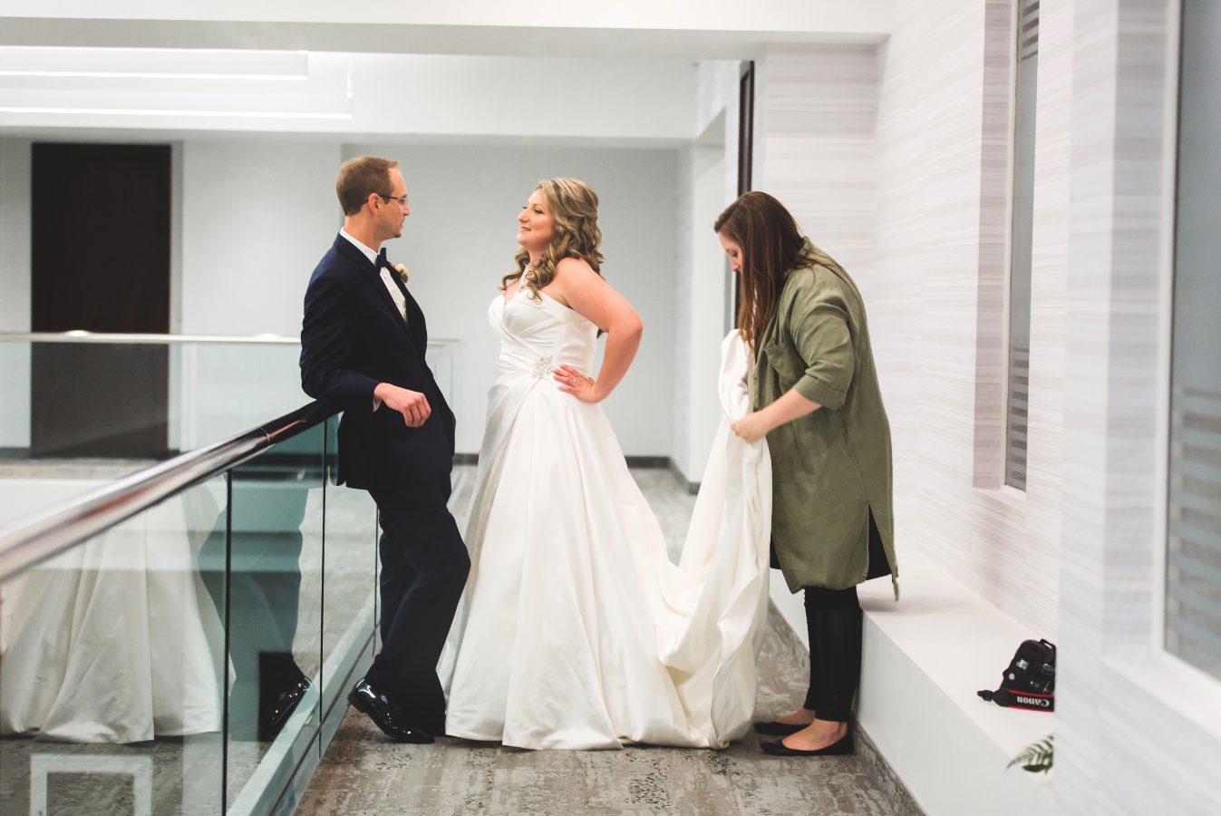 Moments-by-Lauren-Wedding-Photographer-Lifestyle-Photography-Hamilton-Toronto-Niagara-Behind-The-Scenes-Photos-Image-4.png