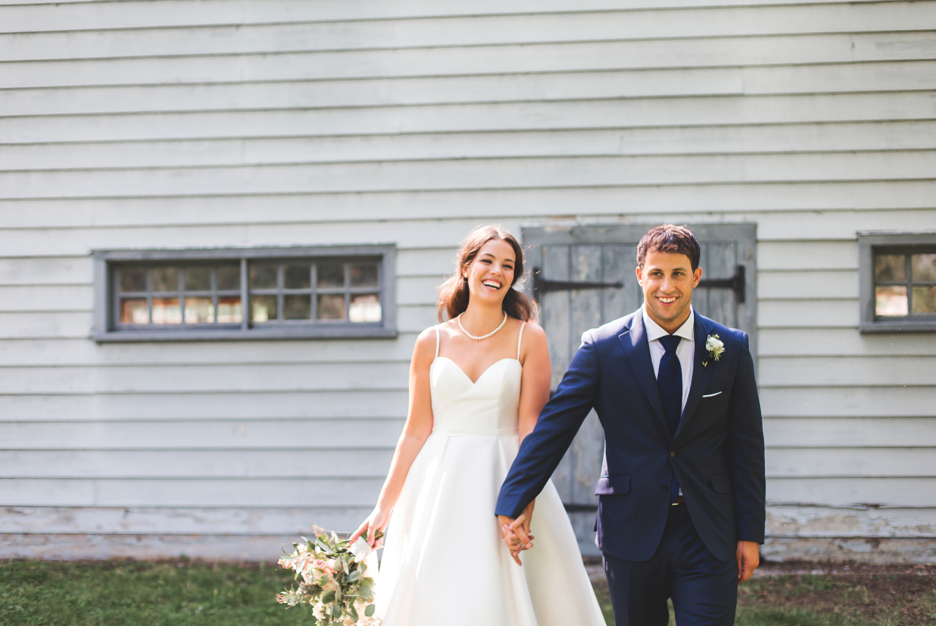 Wedding-Photographer-Niagara-on-the-Lake-Photographer-Queens-Landing-Moments-by-Lauren-Photo-Image-8.png