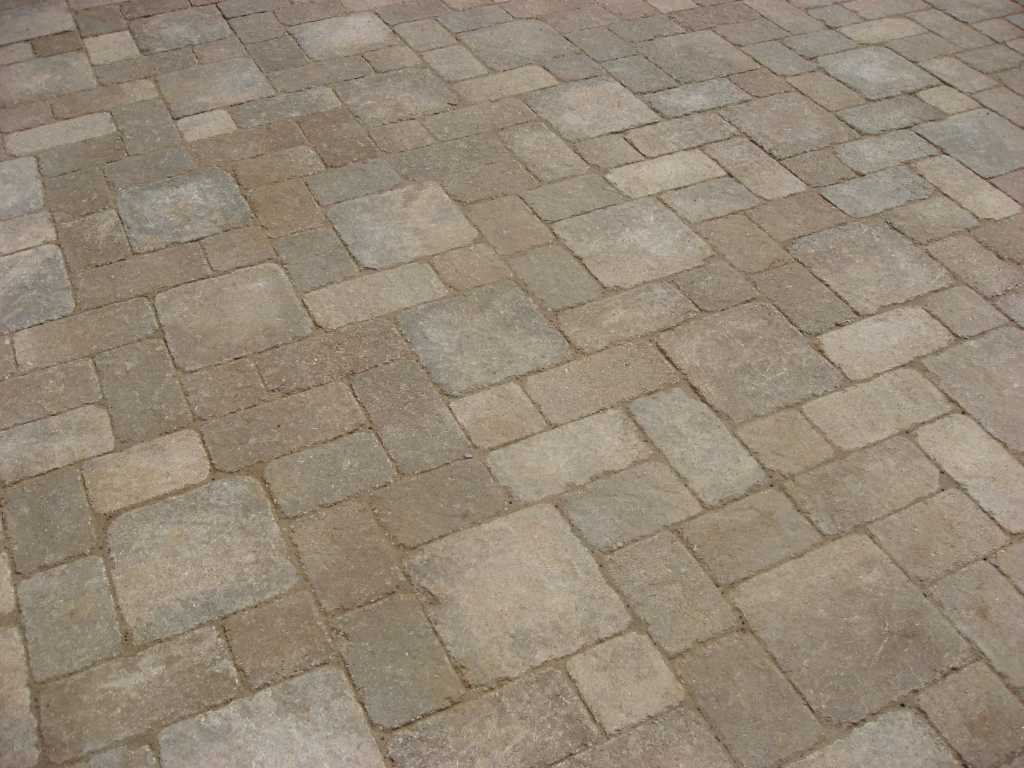 ledge-rock_bethany-ledge_ledgerock_4piecepaversystem_weatheredpavers.jpg