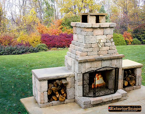 Euro-block_Freemont_fireplace_with_wood_boxes.jpg