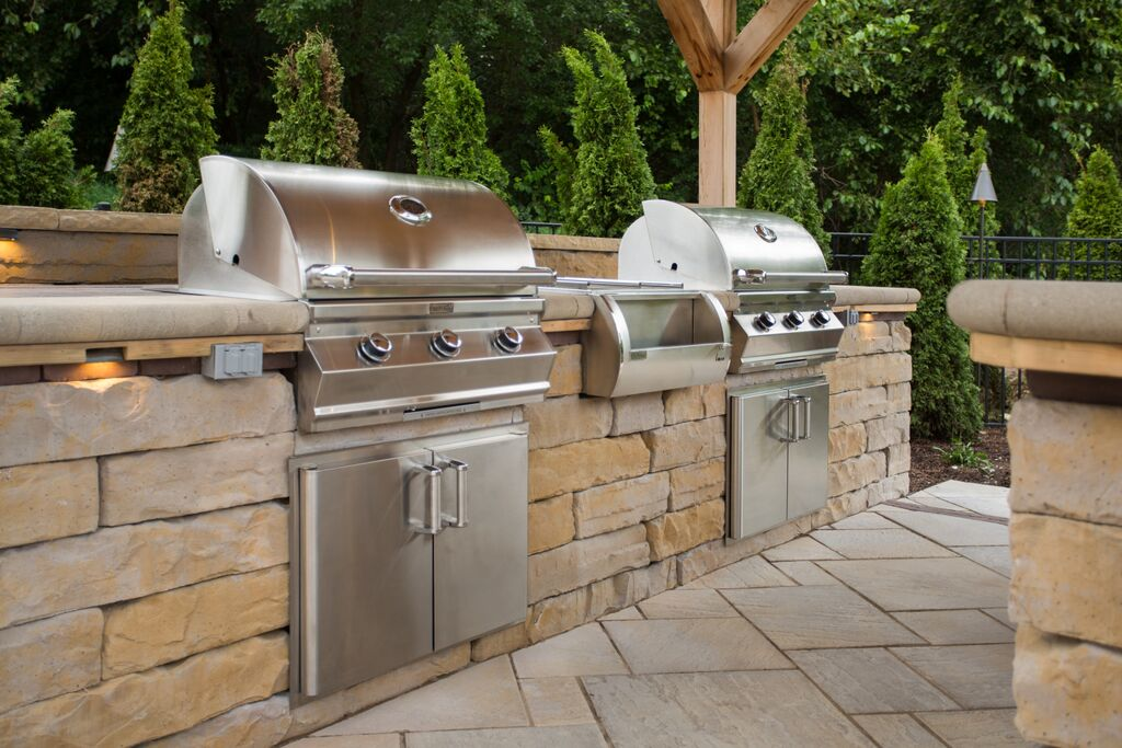 Kodah_outdoor kitchen.jpg