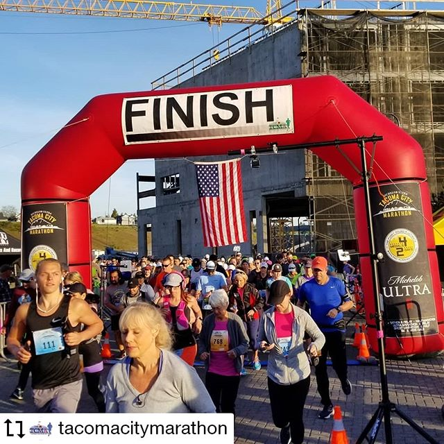 Had such a great time watching all the @sprintingyogi athletes finish out the season at the #tacomacitymarathon last weekend!  Everyone came out strong and truly rocked it!  Coach Allison is focusing on training for #thegreatferryrace during the summer but we'll be back in September for another run club!  #run253 #runningthepnw #runhappy #runningjoy #upperleftrunning  #Repost @tacomacitymarathon Made by @Image.Downloader · · · · #runtacoma