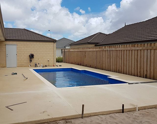 Another week another pool... This one is surrounded by Liquid Limestone... Random Pattern being cut today, sealed and handed over  Siteworks, pour and handed over in 2 days  Contact us now for a free quote  #liquidlimestone #perth # wa #landscape #hardscape