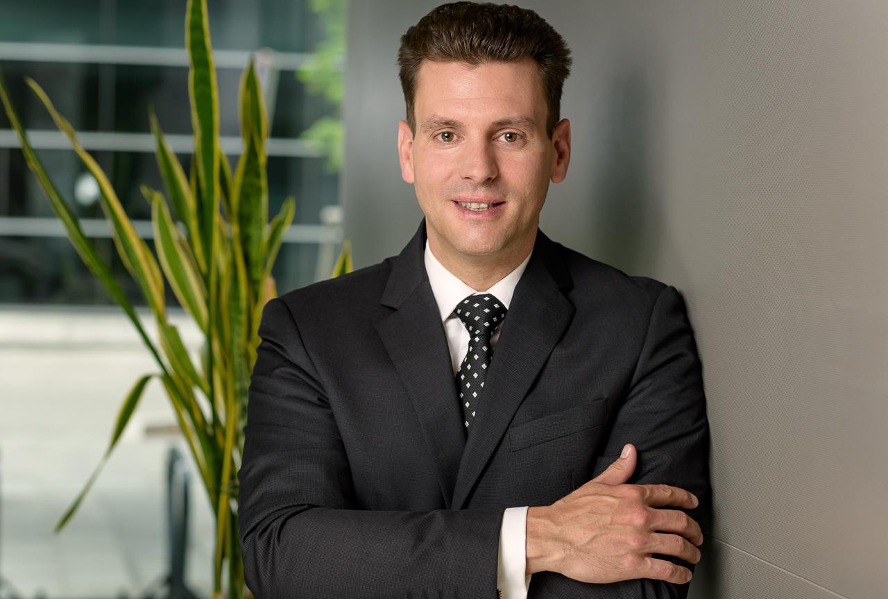 Business Portrait Erich03 by JHofer-Foto Juergen Hofer