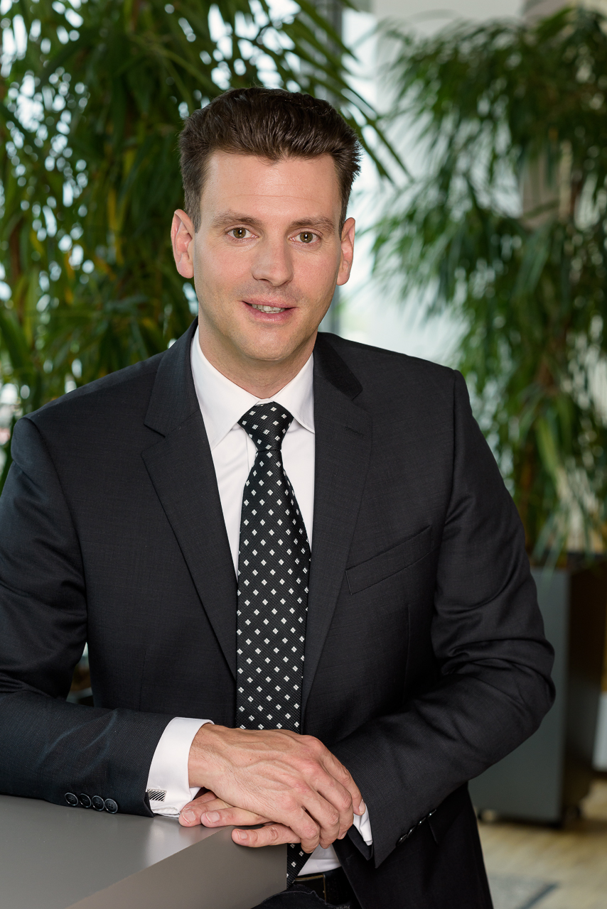 Business Portrait Erich01 by JHofer-Foto Juergen Hofer