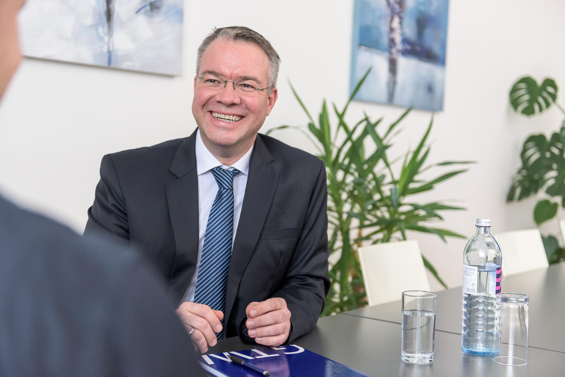 Business Portrait P01 by JHofer-Foto Juergen Hofer