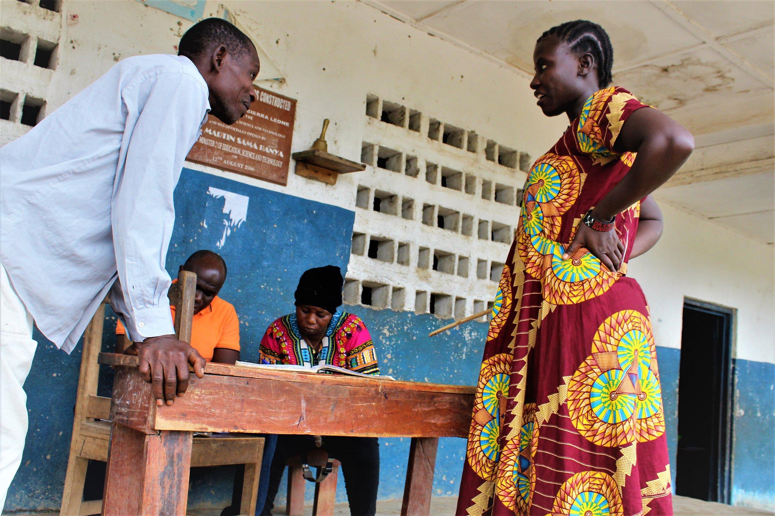 Afgelegen scholen evalueren