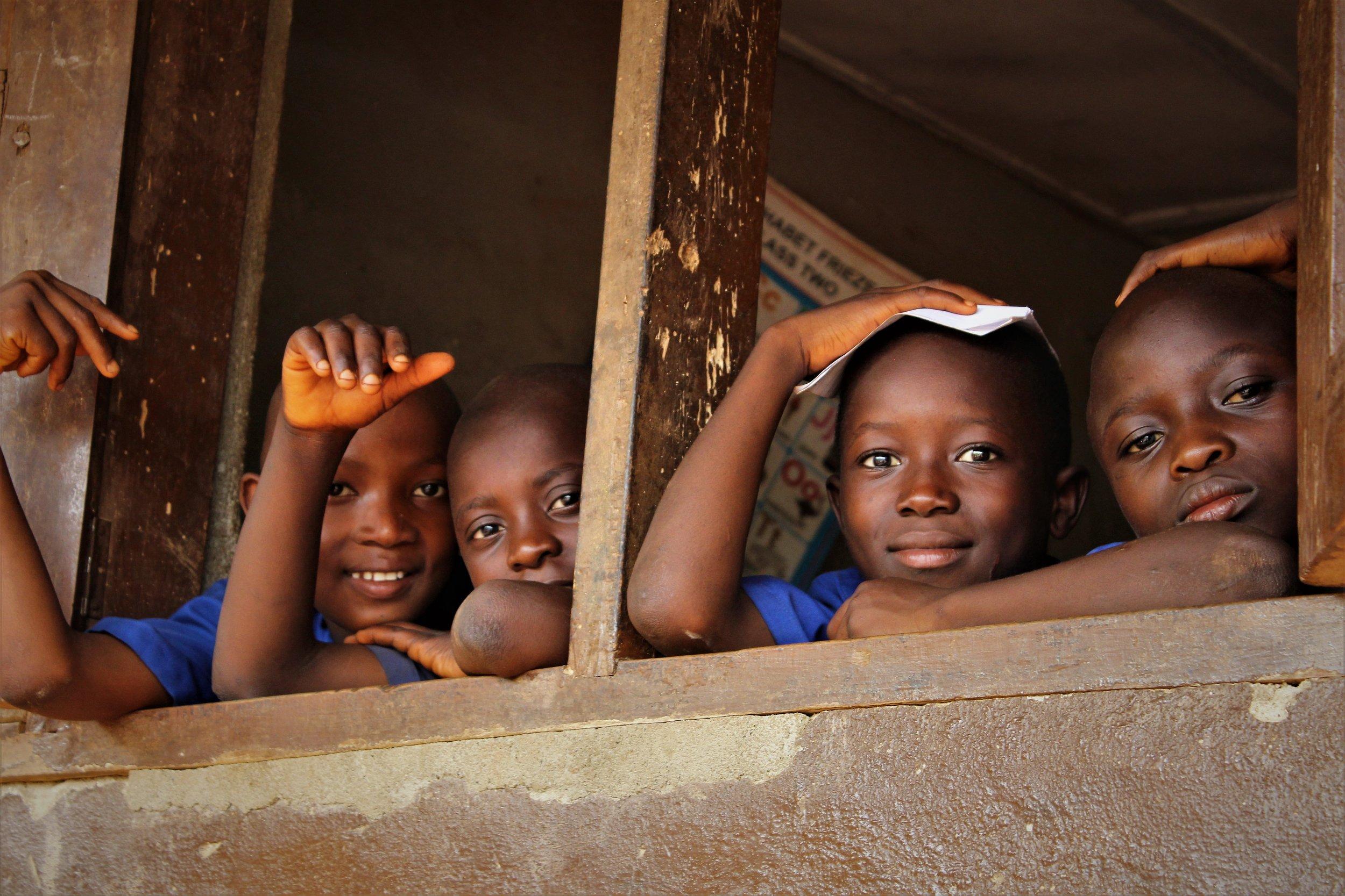Scholieren van het 1000 scholen project