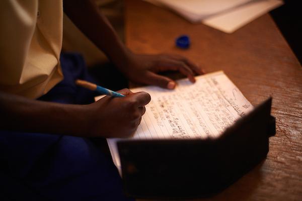 125 miljoen kinderen wereldwijd krijgen momenteel niet de kans om naar school te gaan.We werken eraan om dat te veranderen. Dit is hoe. - Kwalitatief Onderwijs | Lokale Betrokkenheid
