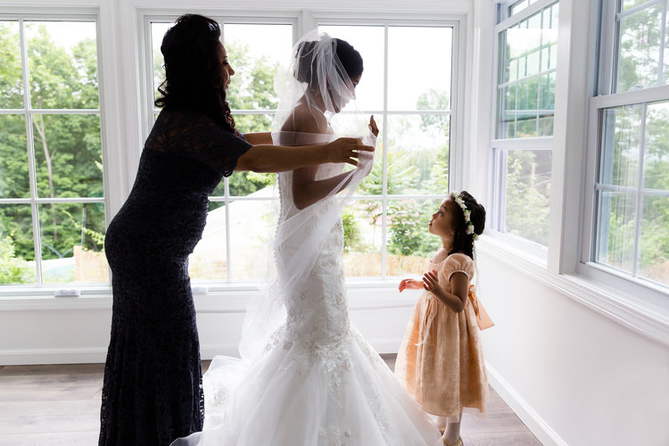 bride+and+mother+getting+ready.jpg