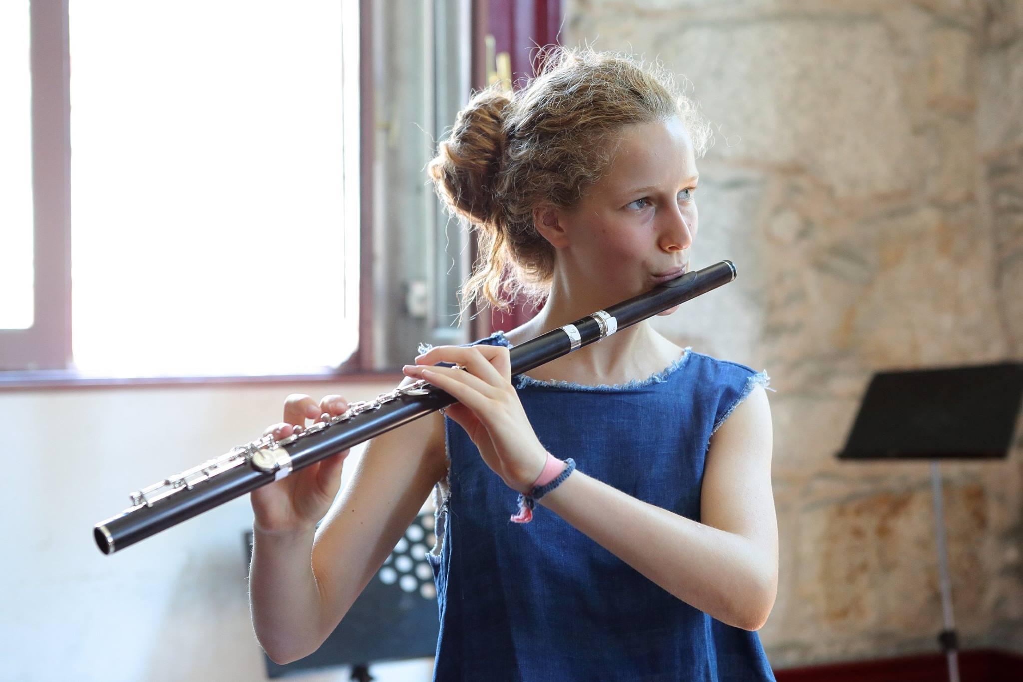 Leonor Moreira playing a Custom Handmade Powell flute in Grenadilla, Photo © Susana Neves/AFV