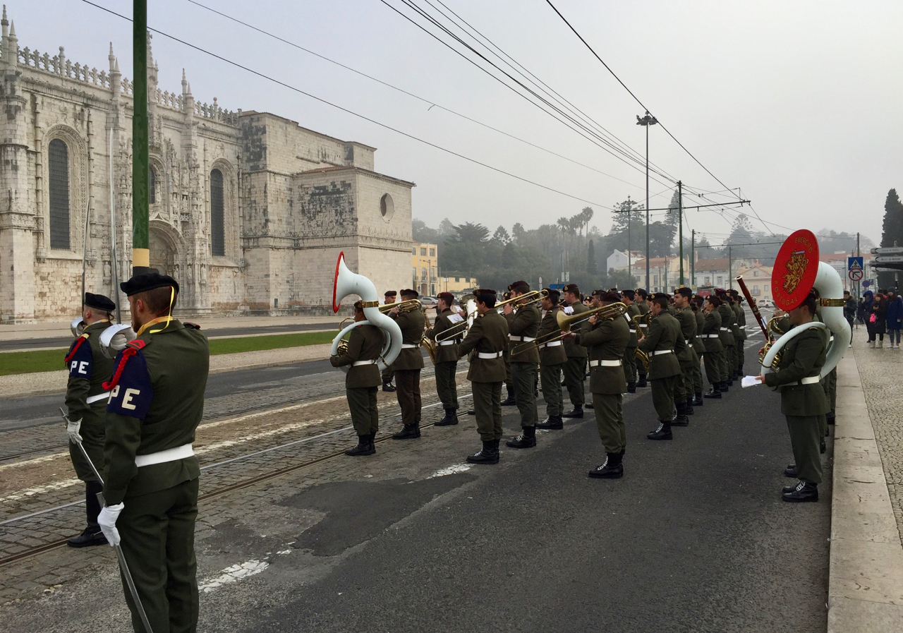 The Portuguese Army Band, performing with class and distinction in 4ºC weather!