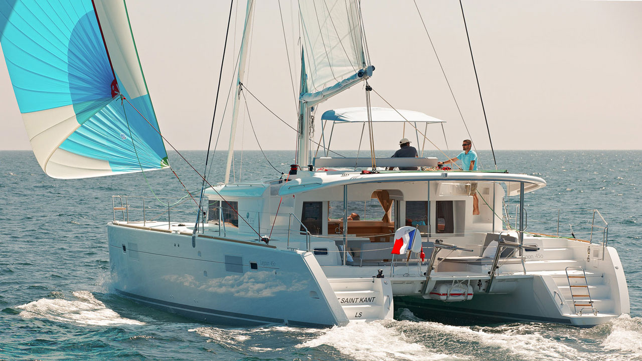 Lagoon-Catamaran-45-Sailing.jpg