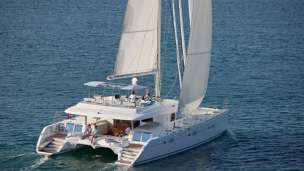 Lagoon-Catamaran-62-Sailing.jpg
