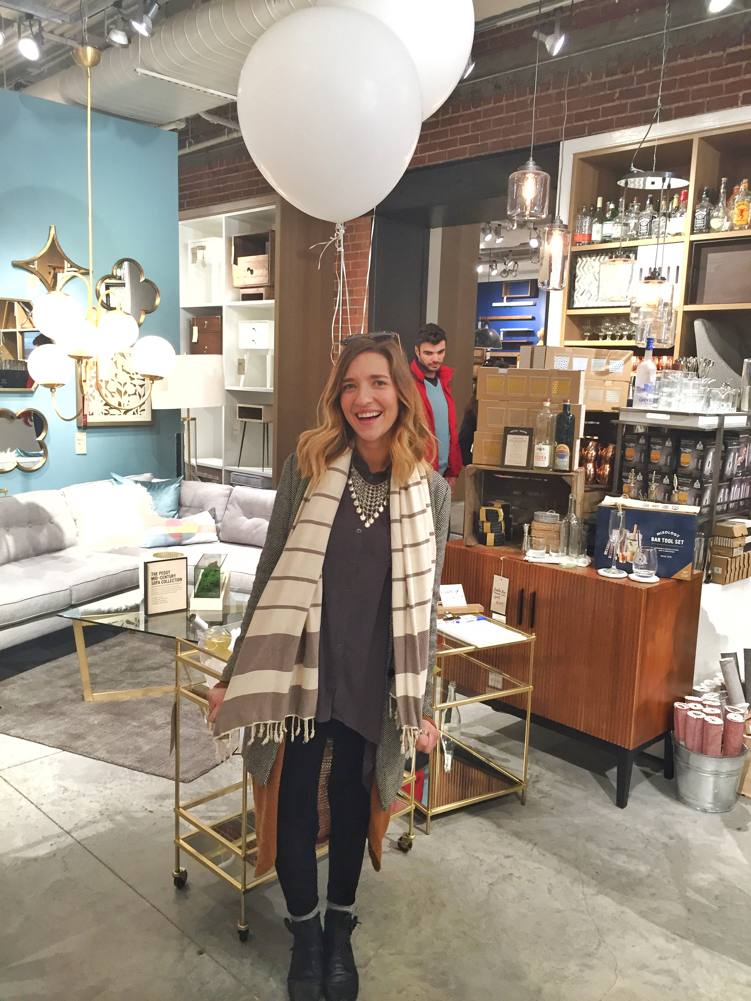 Britt Bates was seen sporting her Turkish towel in the most chic way!