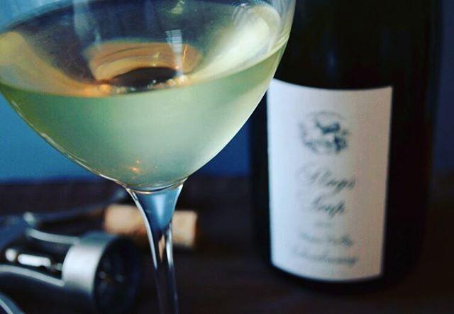 How are you celebrating #leapday?🍷 #leapday2016 #winelover #poetryinabottle #grapes #grapesthewineapp #wino #whitewine #wine #wineworld #winelife #winetime #bottleoftheday