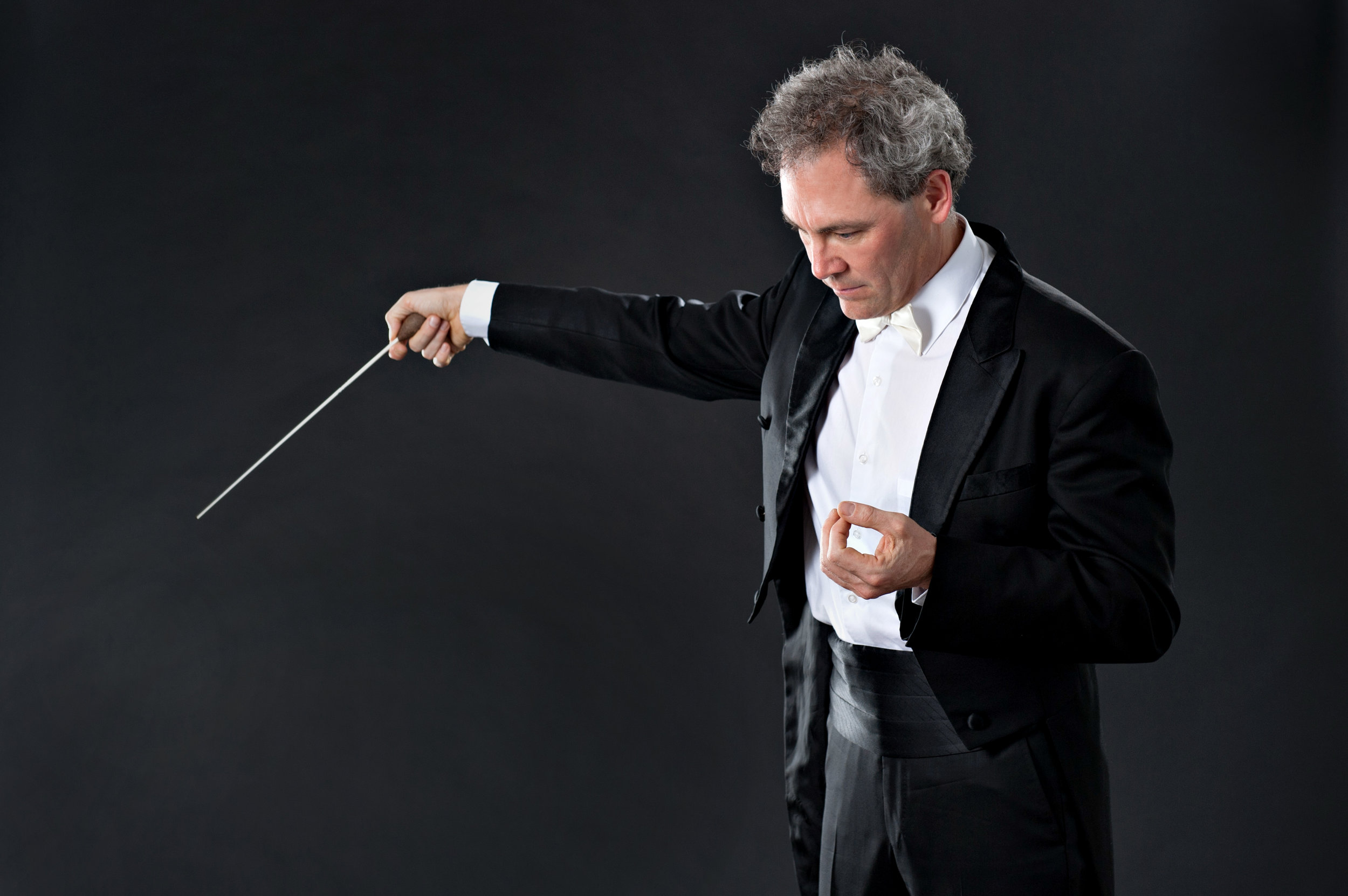 Marta-Hewson-editorial-portraits-Hamilton-Philharmonic-Orchestra-Jamie-Sommerville.jpg