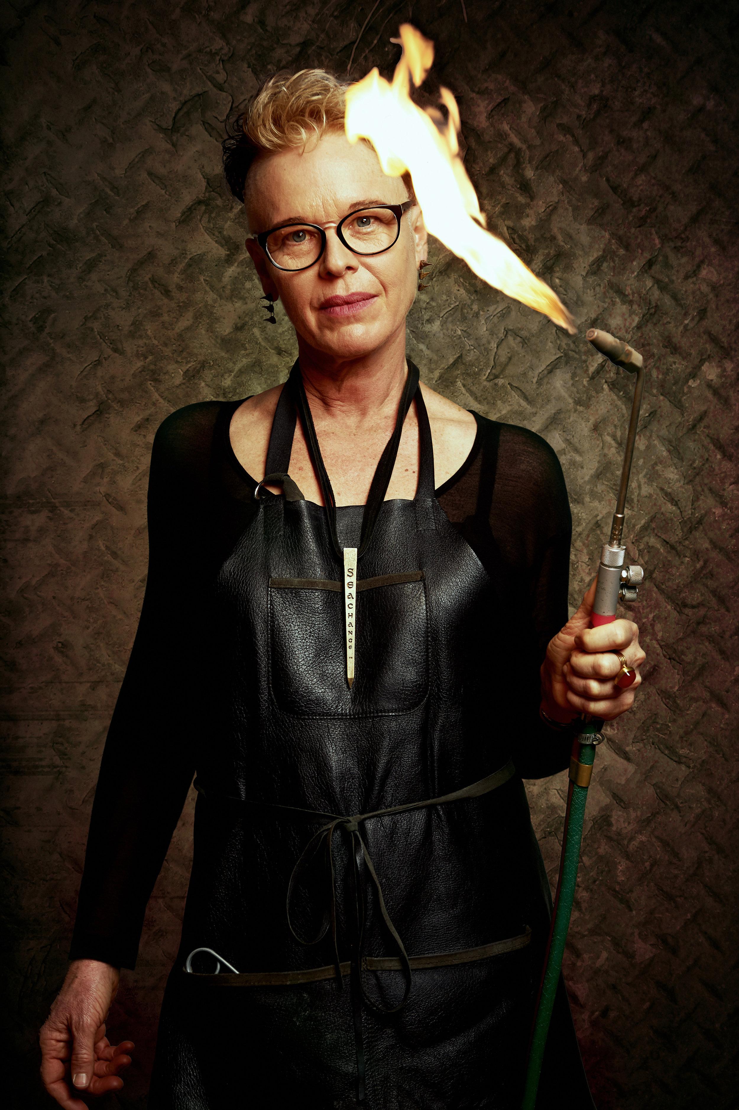 marta-hewson-donna-hiebert-jewellery-maker-editorial-portrait-26221.jpg