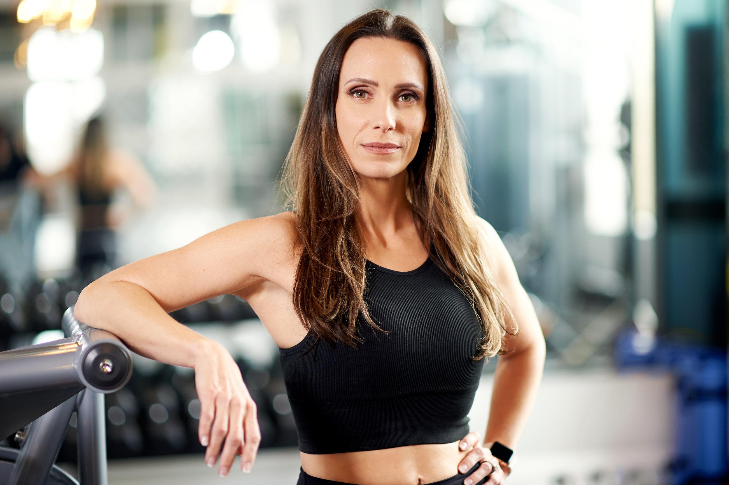 marta-hewson-lisa-poshni-gym-action-shots-5213.jpg