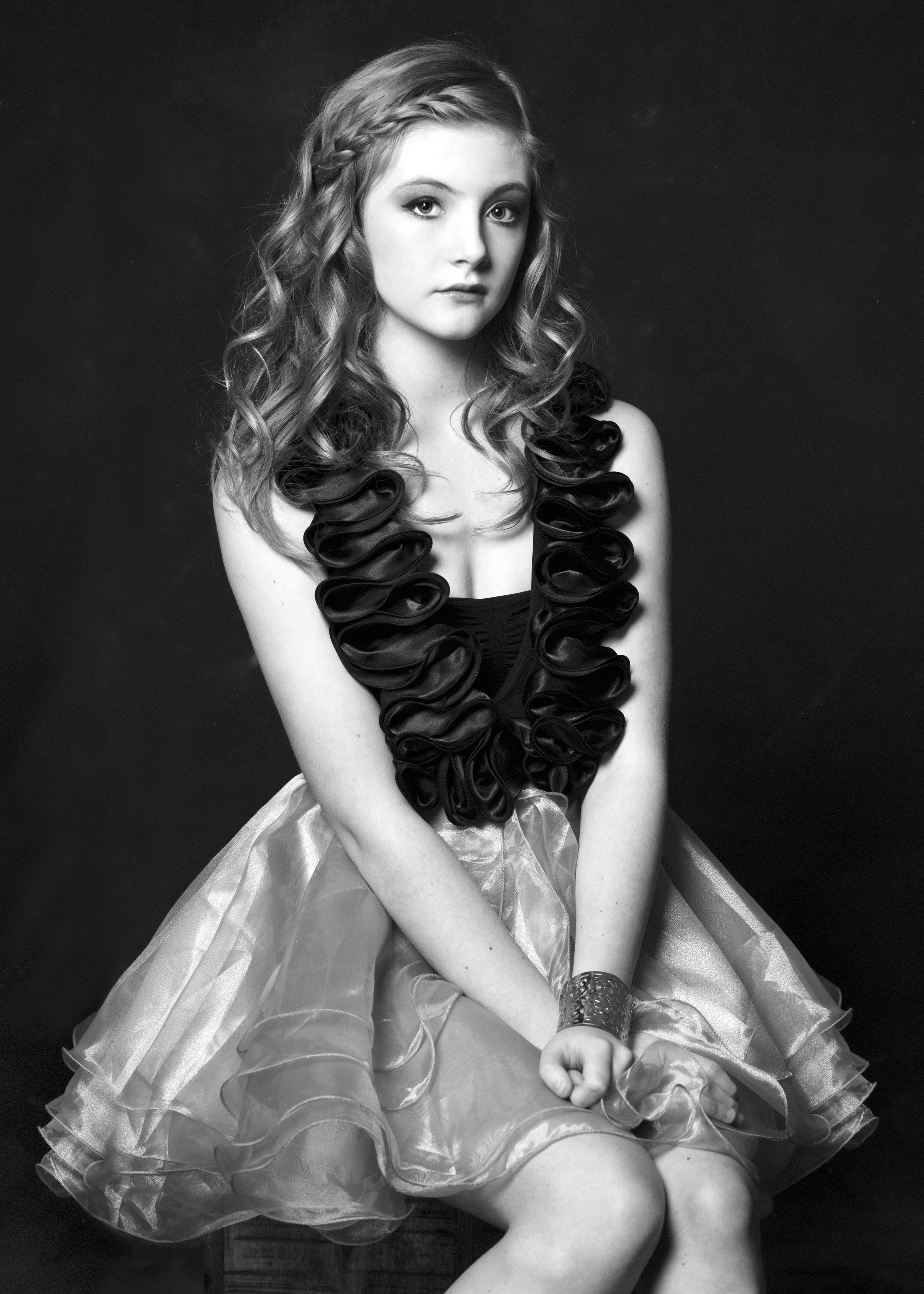 Marta-Hewson-Classical-portrait-young-teen-doll-like-pose.jpg