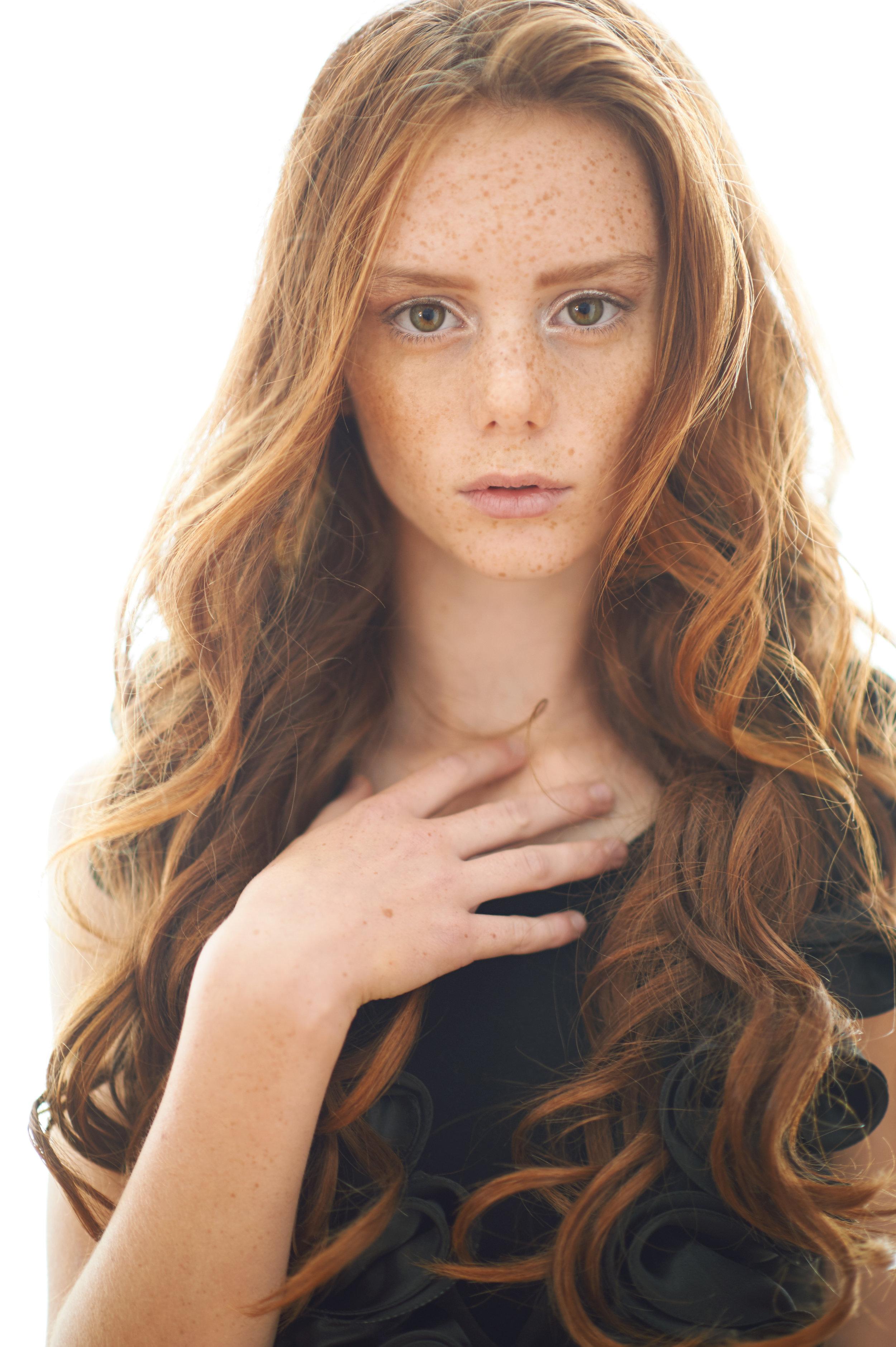 Marta-hewson-Emeryss-Teen-Portrait-Fashion-shoot-redhead with freckles.jpg