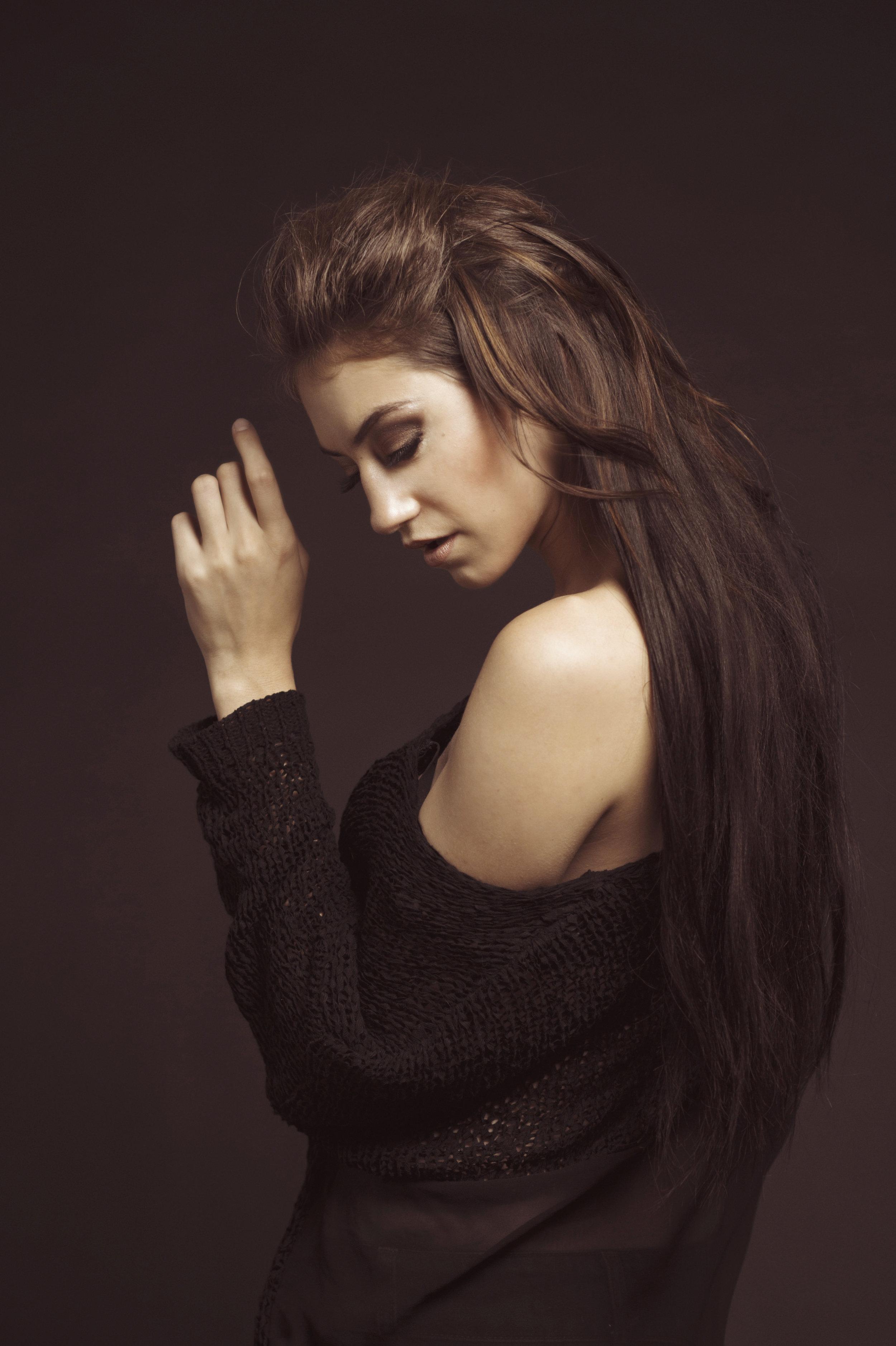 marta-hewson-maggie-taylor-woman-with-long-brown-hair.jpg