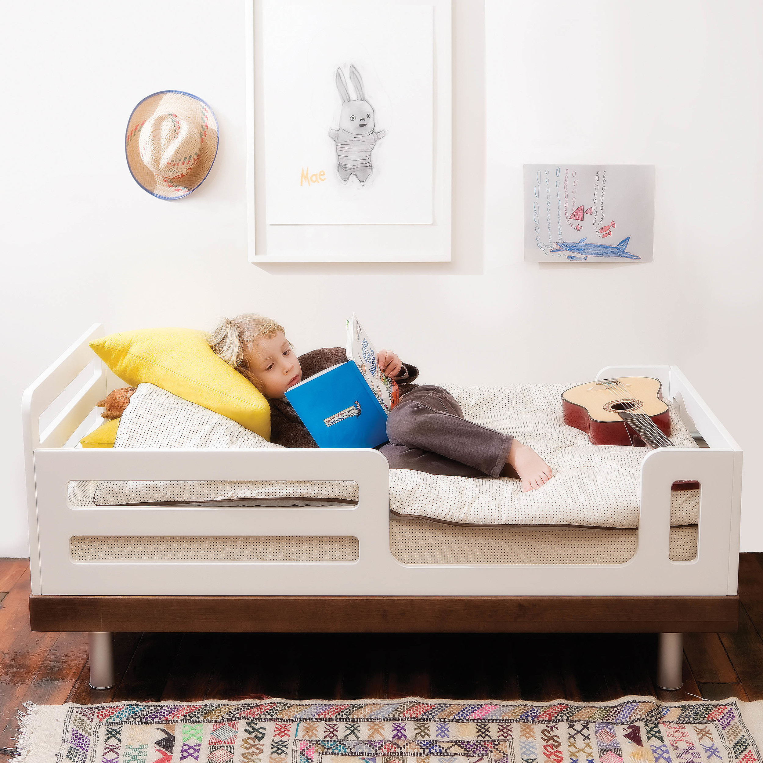 Classic_Toddler_roomsetting_walnut_highres.jpg