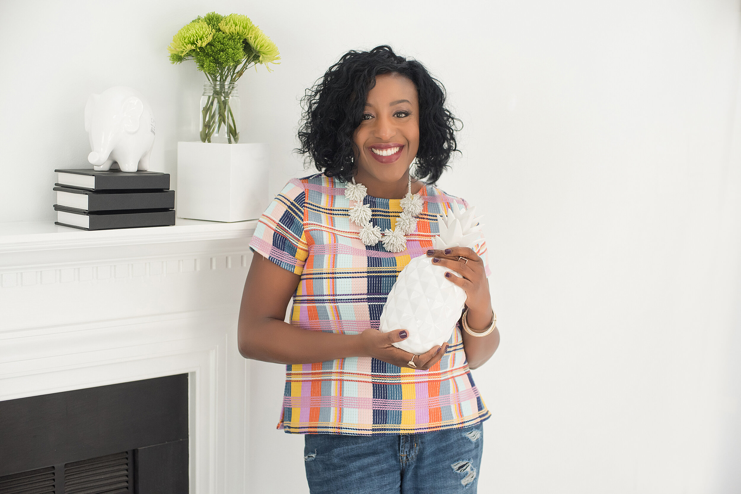 Hi I'm Dana, - I'm a full service interior designer, with a specialty in designing cohesive, well styled, realistic spaces for busy moms who want to bring beauty into their homes. As a mom of 3, I know how much you give your families everyday. You deserve a home that delivers a sense of calm and sanctuary at the end of the day.I'd love to give that to you! Lets schedule a quick 20 minute chat to discuss your needs EMAIL ME!